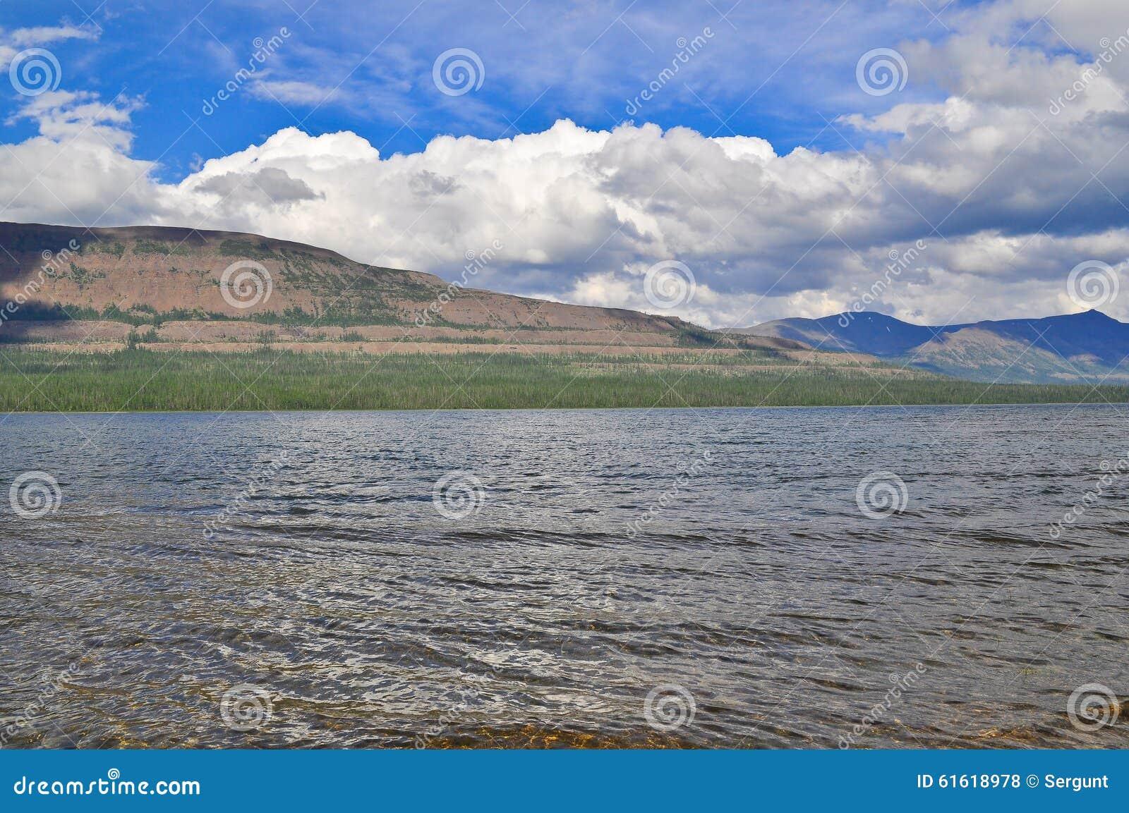 Λίμνη Glubokoe στο οροπέδιο Putorana