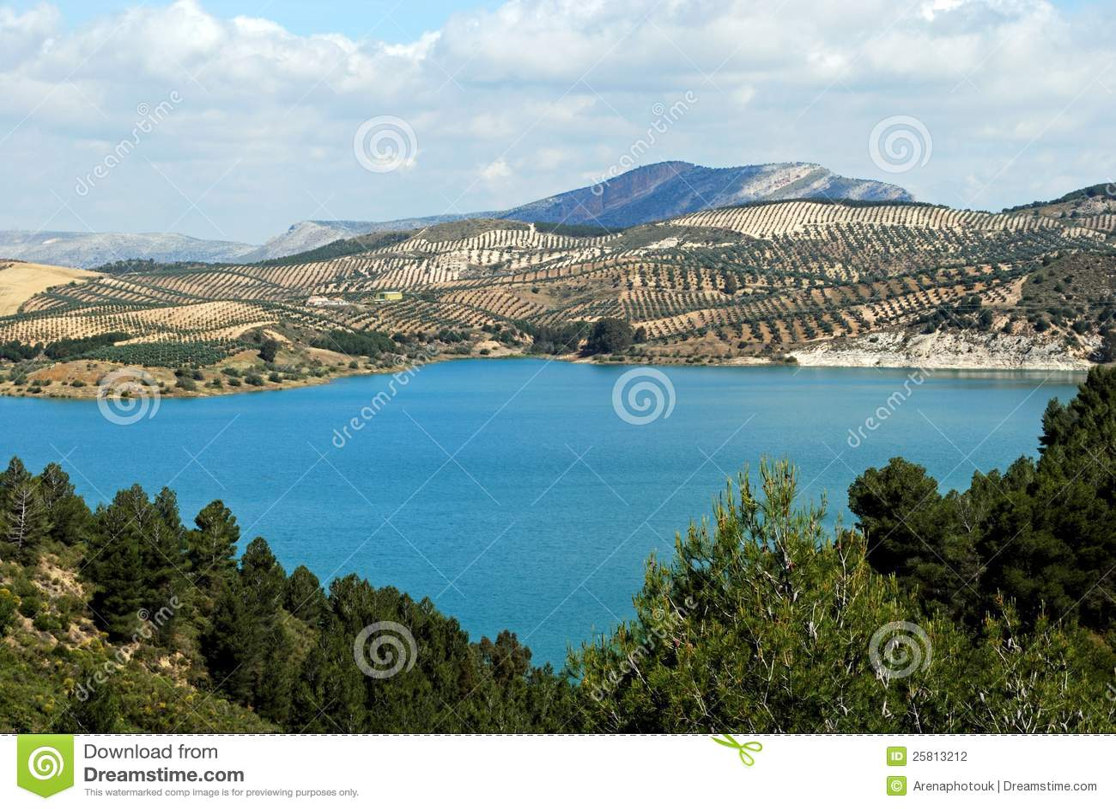 Λίμνη Guadalhorce κοντά Ardales, Ισπανία.