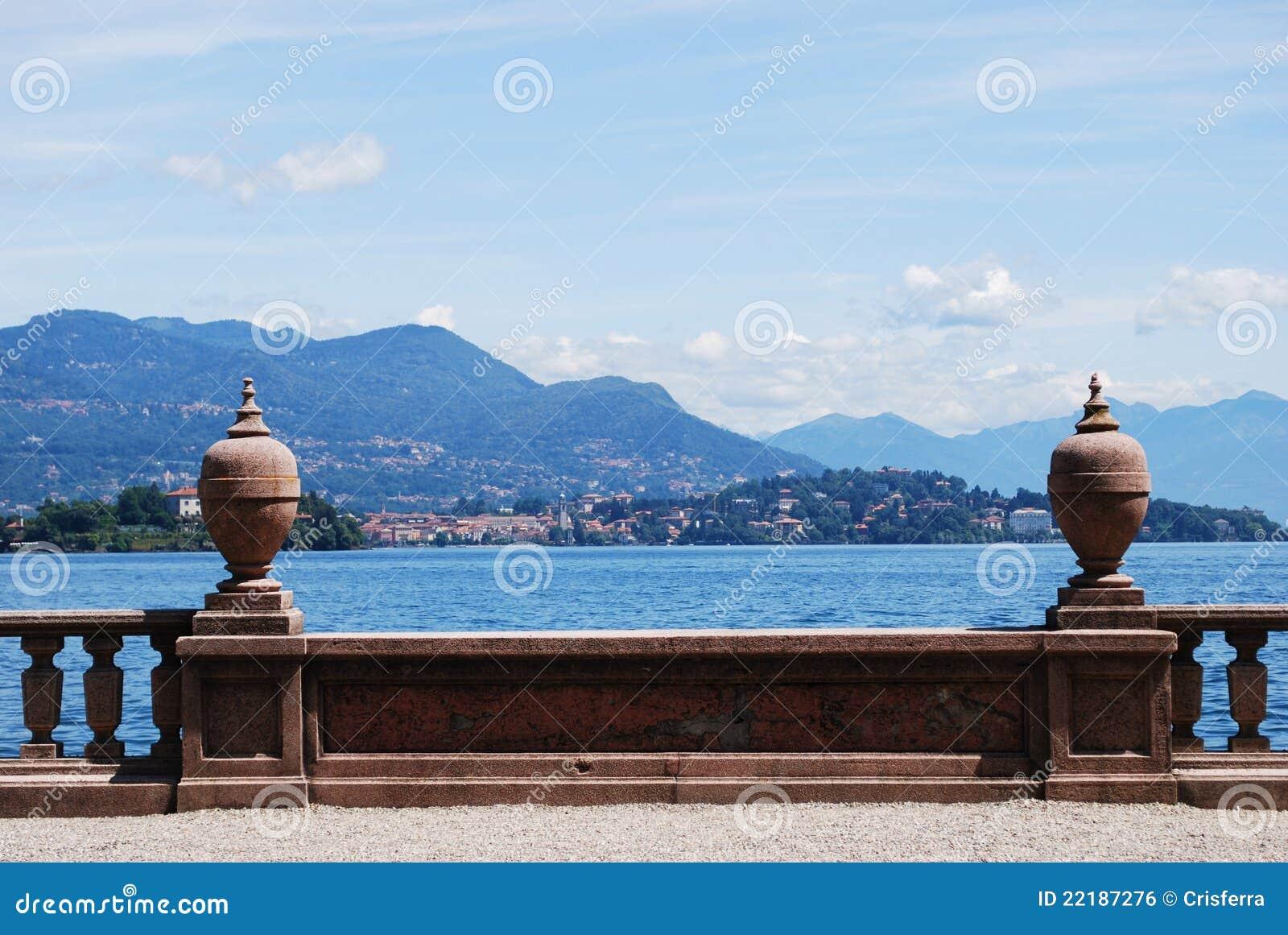 λίμνη maggiore