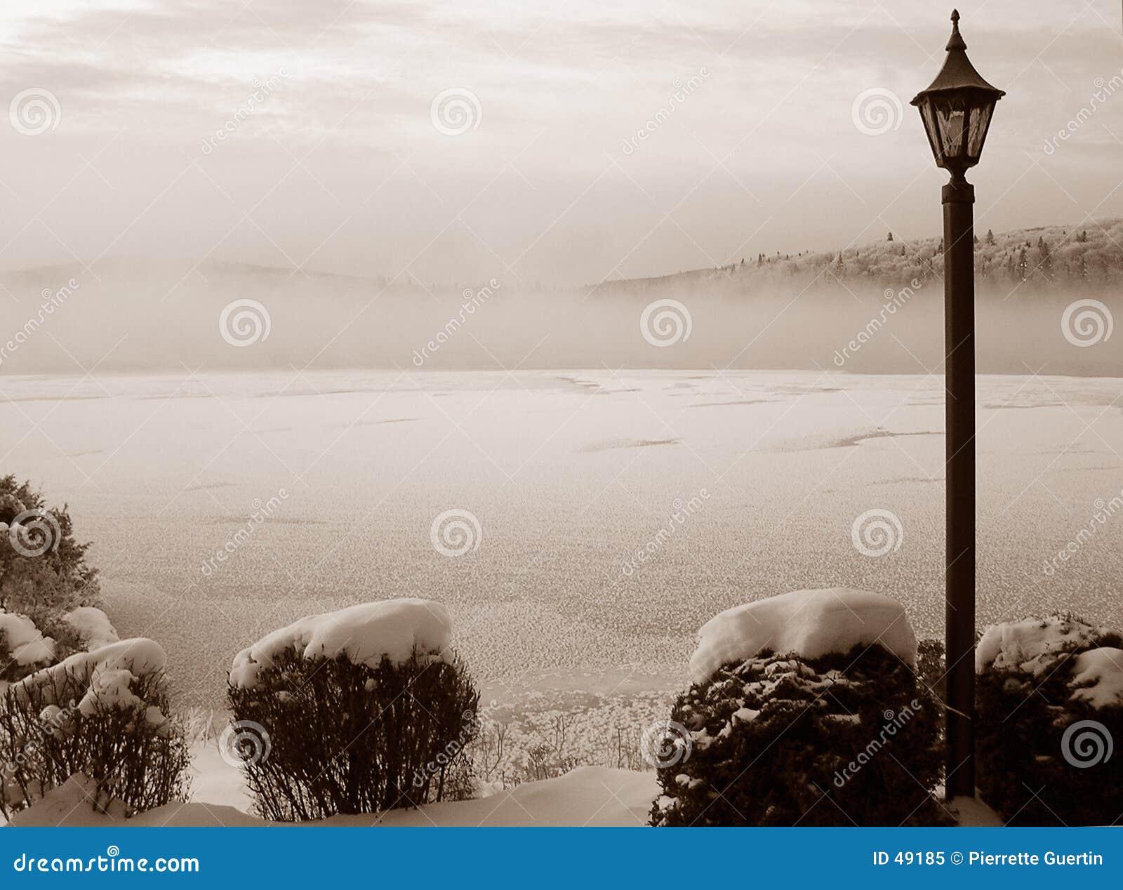 λίμνη misty