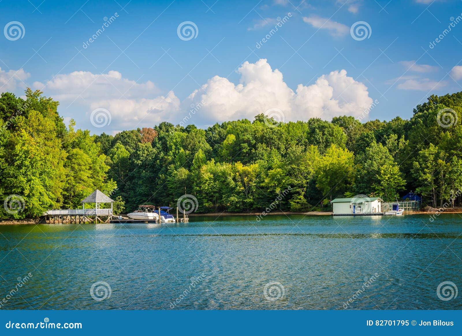 Λίμνη Norman, στο πάρκο μαρκών, στο Cornelius, βόρεια Καρολίνα