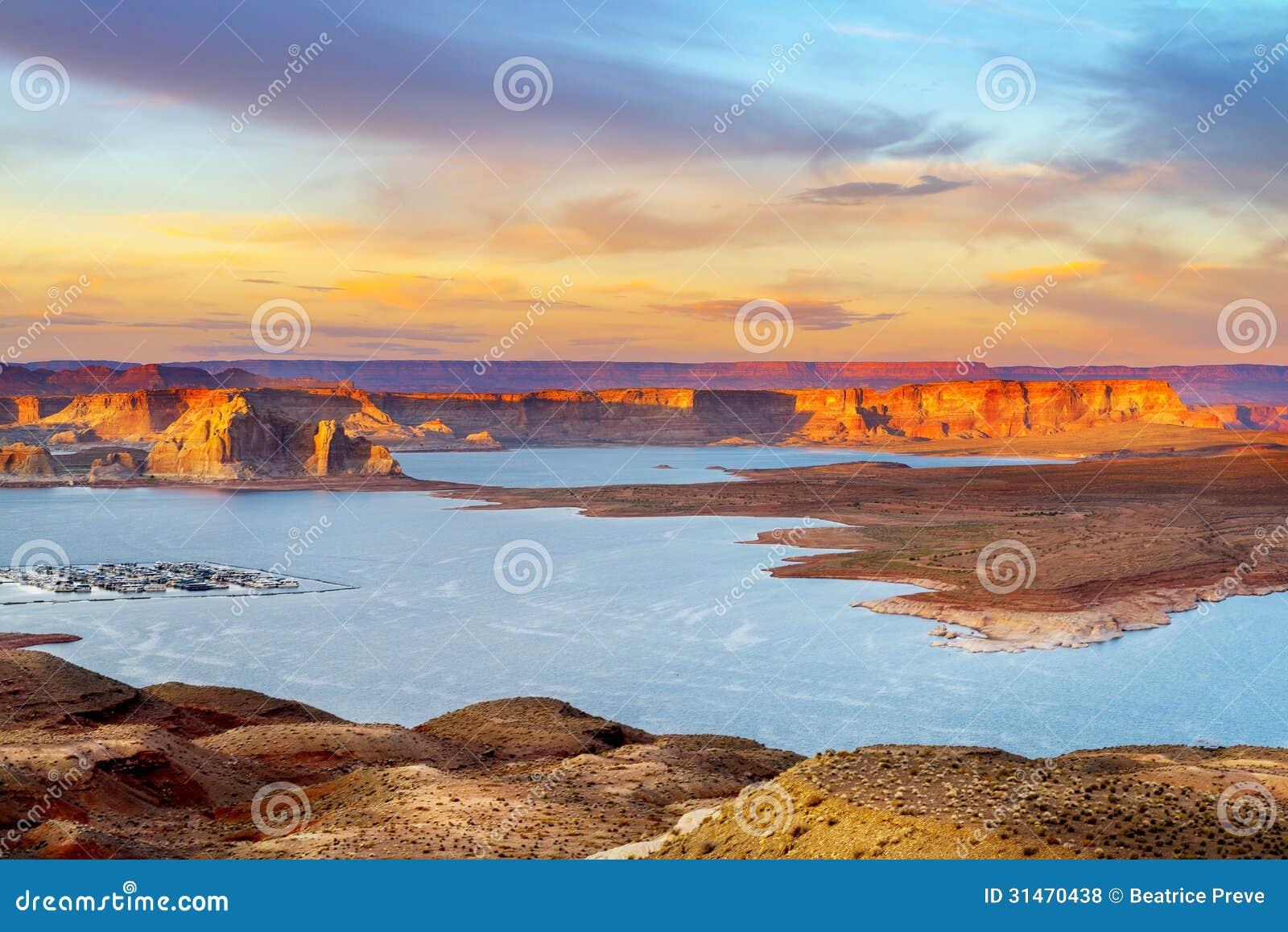 Λίμνη Powell με τη μαρίνα
