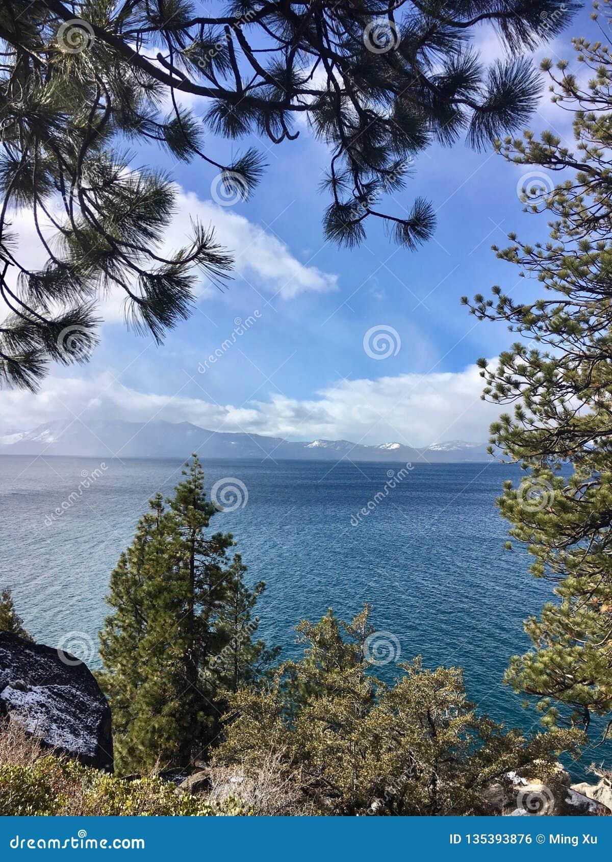λίμνη tahoe