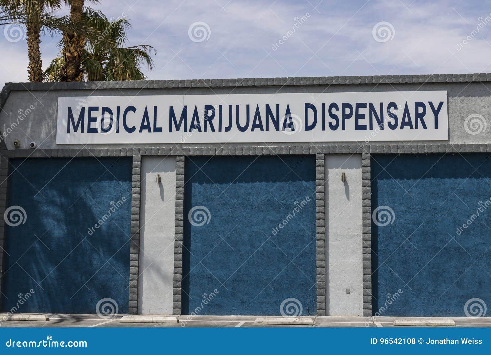 Λας Βέγκας - τον Ιούλιο του 2017 Circa: Ιατρικό ιατρείο μαριχουάνα Από το 2017, το ψυχαγωγικό δοχείο είναι νομικό στη Νεβάδα VII