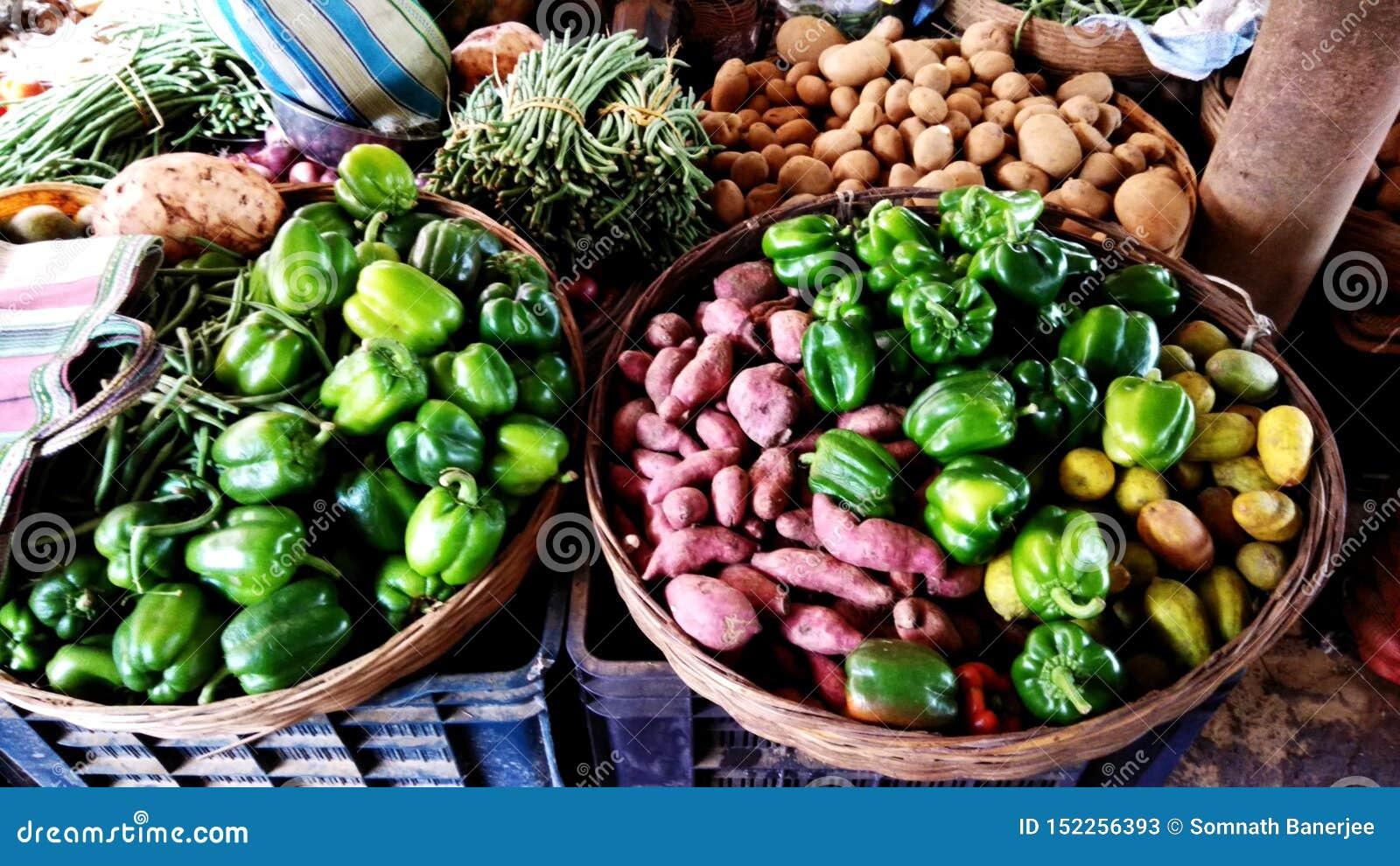Λαχανικά σε ένα του χωριού κατάστημα