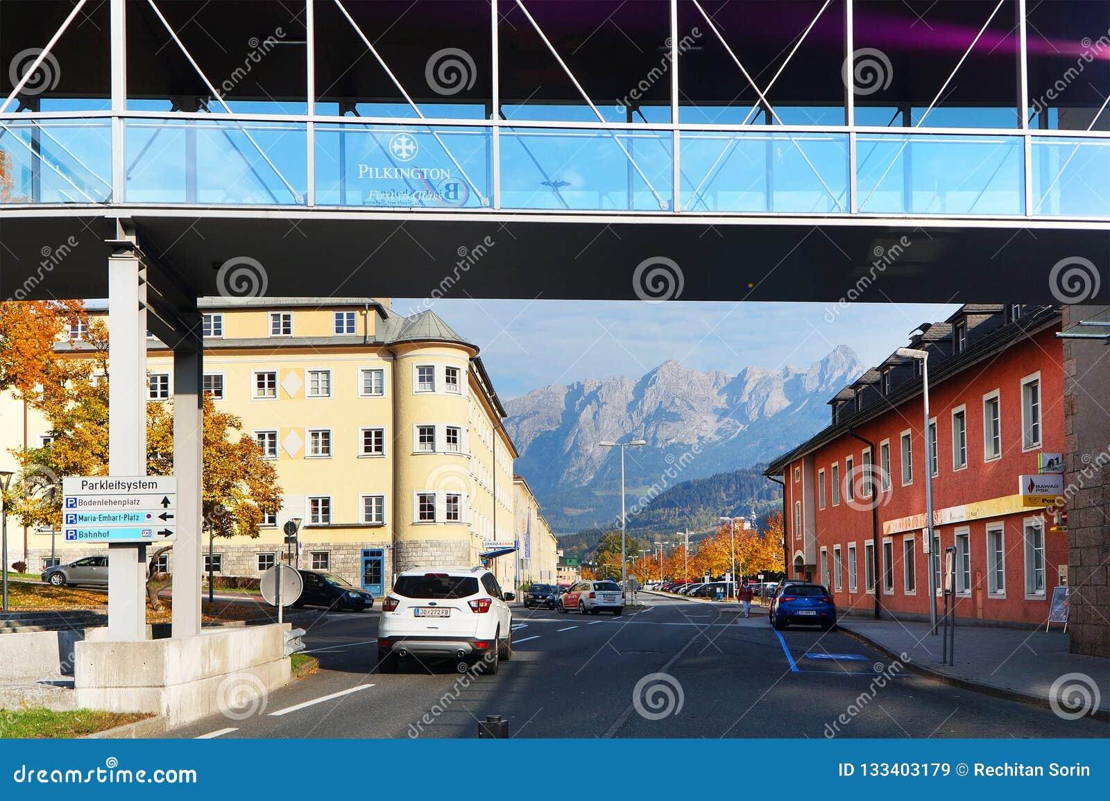 Λεπτομέρεια Arhitectural στην πόλη Bischofshofen σε μια ημέρα φθινοπώρου