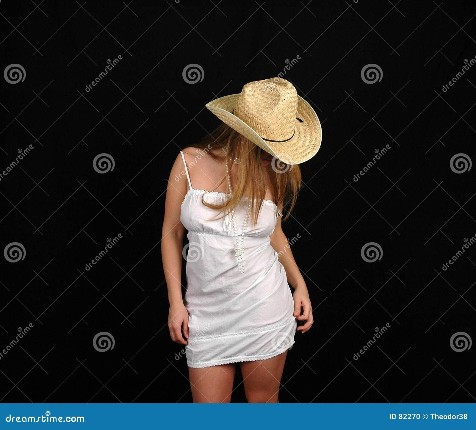 λευκή γυναίκα 9 φορεμάτων