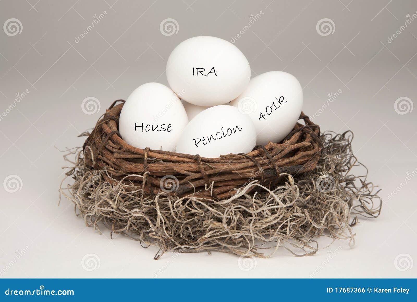 λευκό φωλιών αυγών