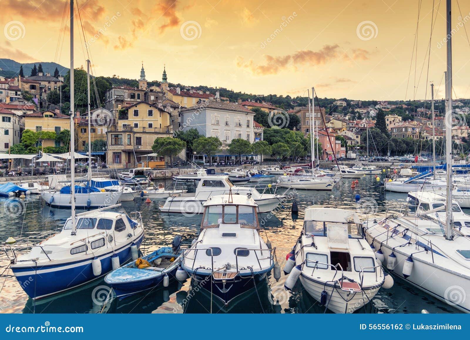 Download Λιμάνι σε Opatija, περιοχή Kvarner, της Κροατίας Στοκ Εικόνες - εικόνα από καλοκαίρι, γιοτ: 56556162
