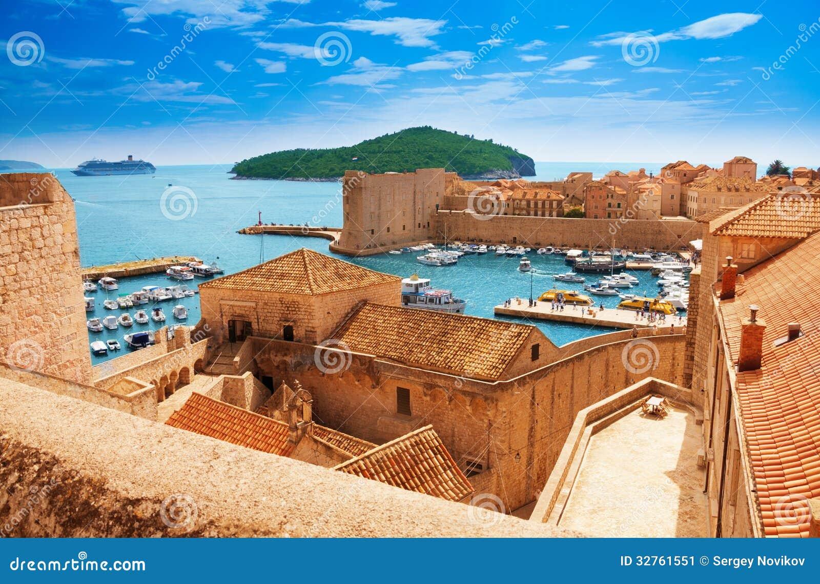 Λιμένας Dubrovnik από τους τοίχους