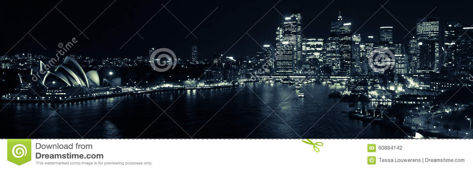 Λιμενικό τή νύχτα πανόραμα του Σίδνεϊ σε γραπτό