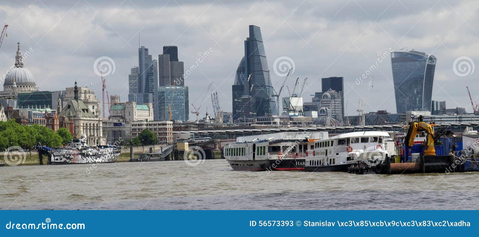 Download Λονδίνο - ποταμός Τάμεσης εκδοτική στοκ εικόνες. εικόνα από πύργος - 56573393