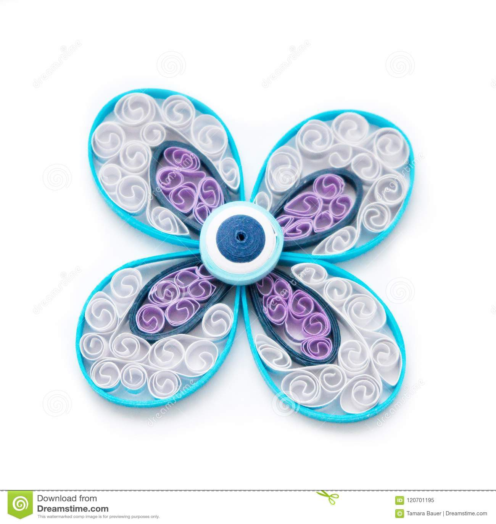 Λουλούδι Quilling με τις σπείρες εγγράφου