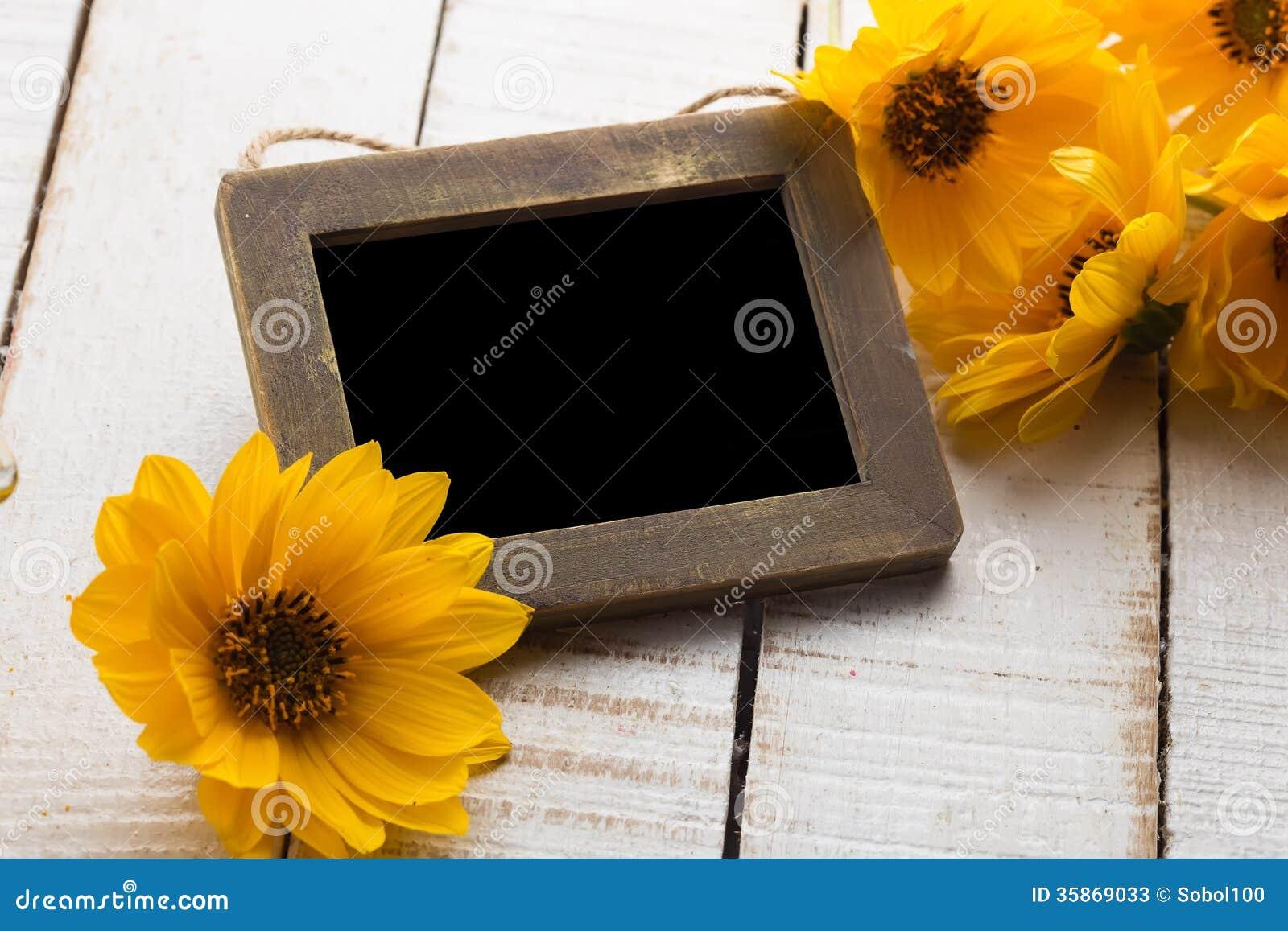 Λουλούδια φθινοπώρου στον πίνακα