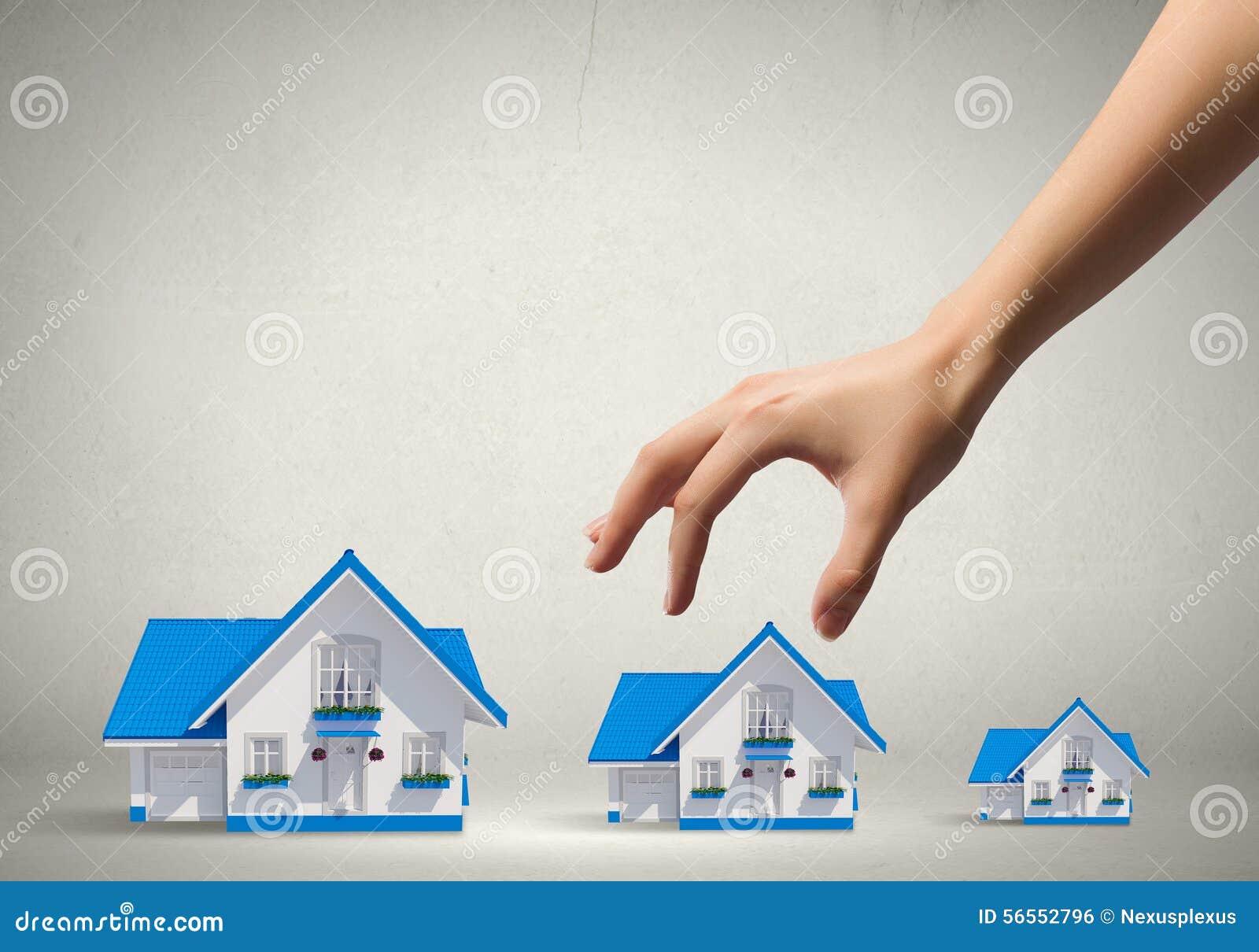 Download Μάζεμα με το χέρι του σπιτιού Στοκ Εικόνες - εικόνα από πάρτε, ιδέα: 56552796