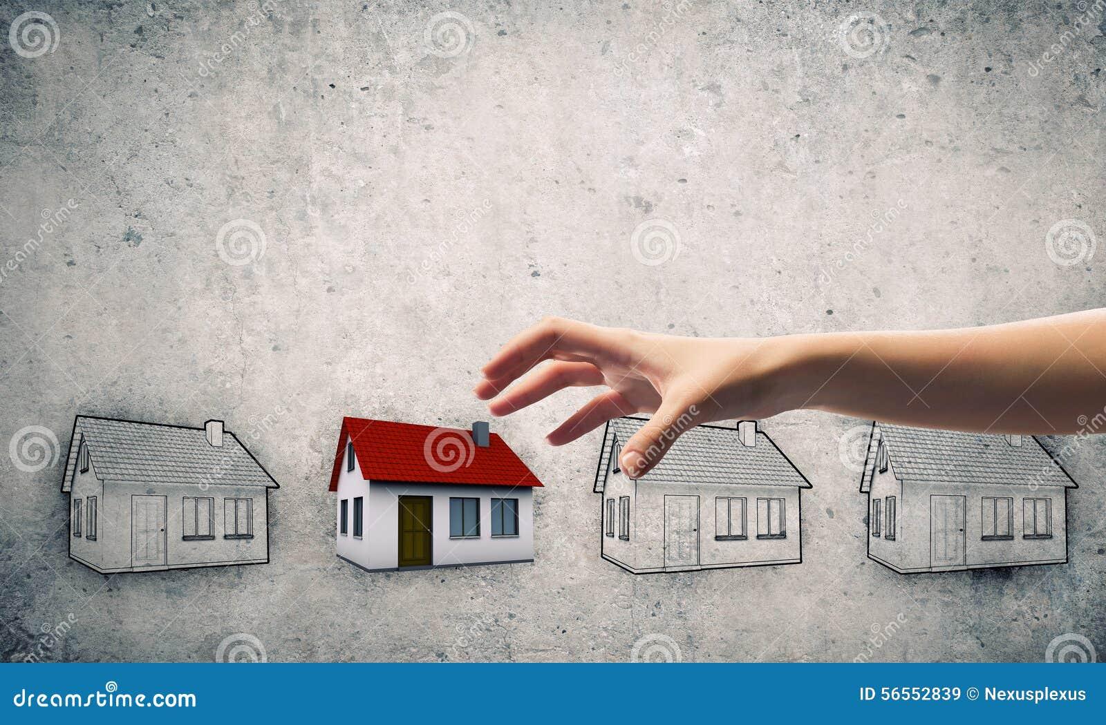 Download Μάζεμα με το χέρι του σπιτιού Στοκ Εικόνα - εικόνα από σύλληψη, σύμβολο: 56552839