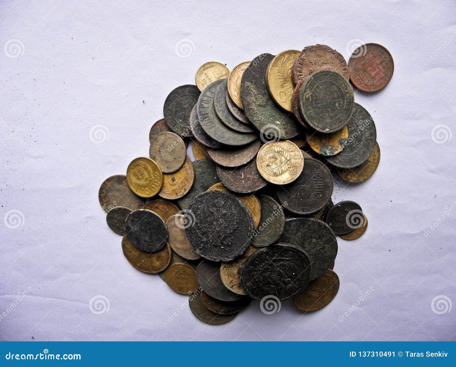 Μέρη των παλαιών νομισμάτων χαλκού για το resvavration