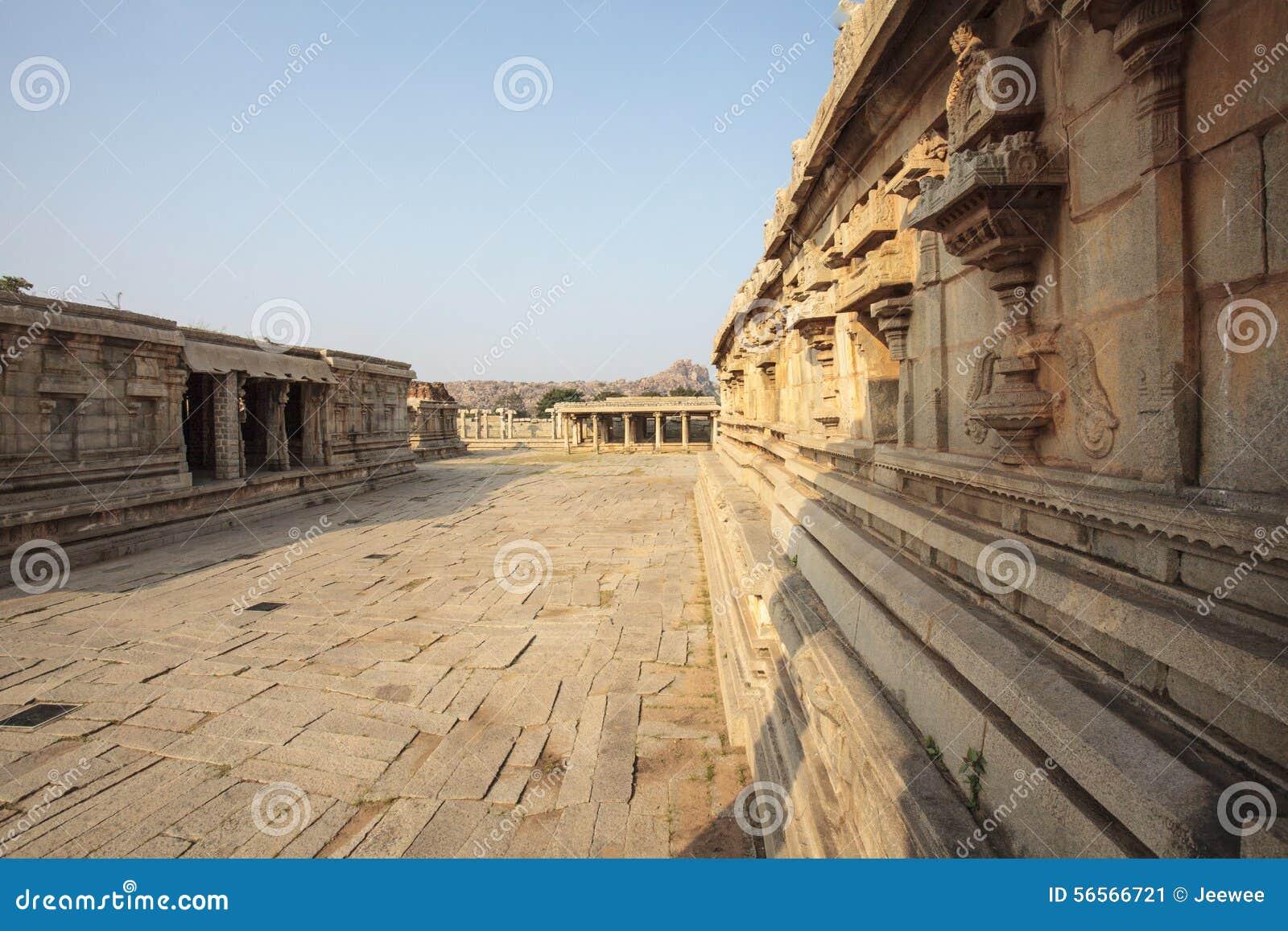 Download Μέσα στον ινδό ναό Vittala στην αρχαία περιοχή Hampi, Karnataka, Ινδία Στοκ Εικόνα - εικόνα από άρμα, hinduism: 56566721
