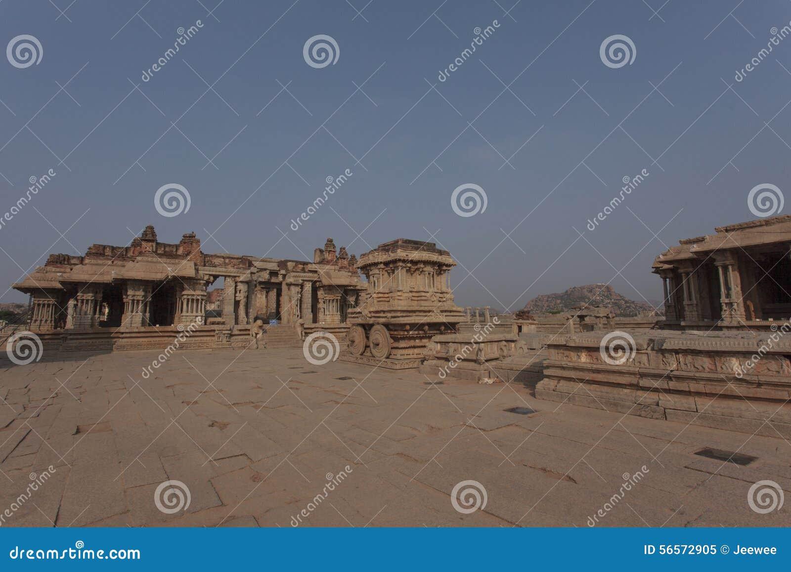 Download Μέσα στον ινδό ναό Vittala στην αρχαία περιοχή Hampi, Karnataka, Ινδία Στοκ Εικόνα - εικόνα από διακοσμημένος, θρησκεία: 56572905