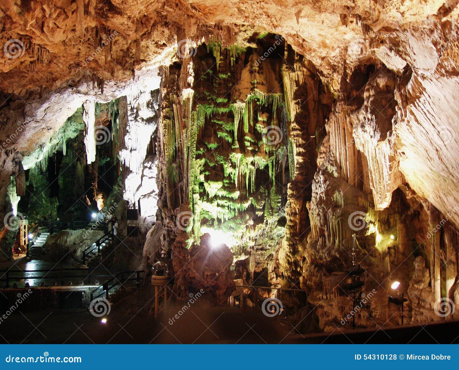 Μέσα της σπηλιάς του ST Michael στο Γιβραλτάρ