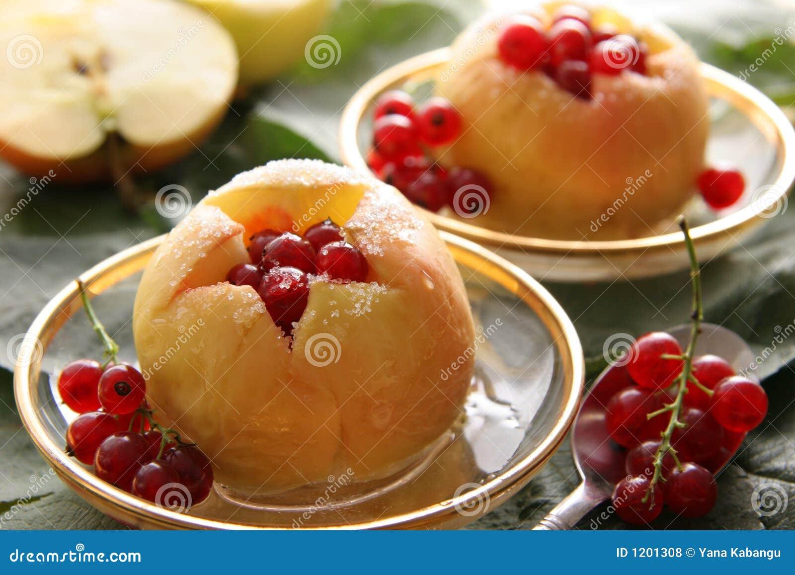 μήλα που ψήνονται