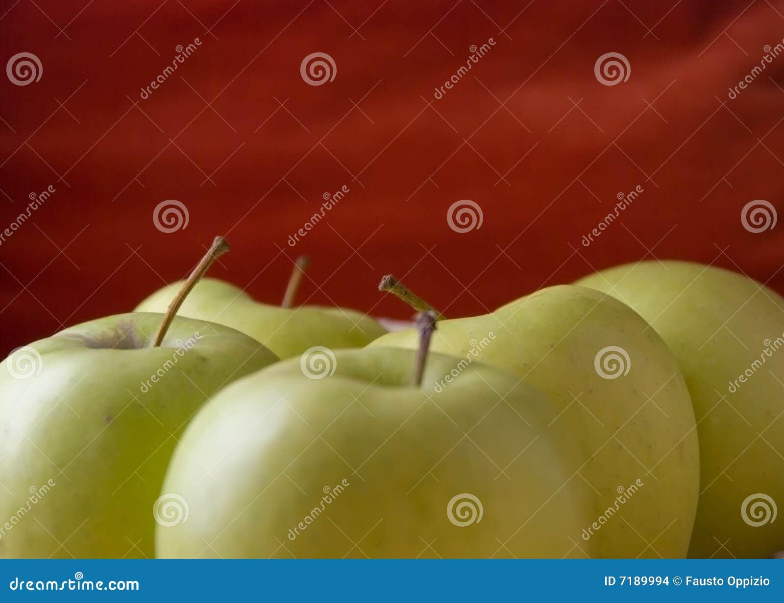 μήλο κίτρινο