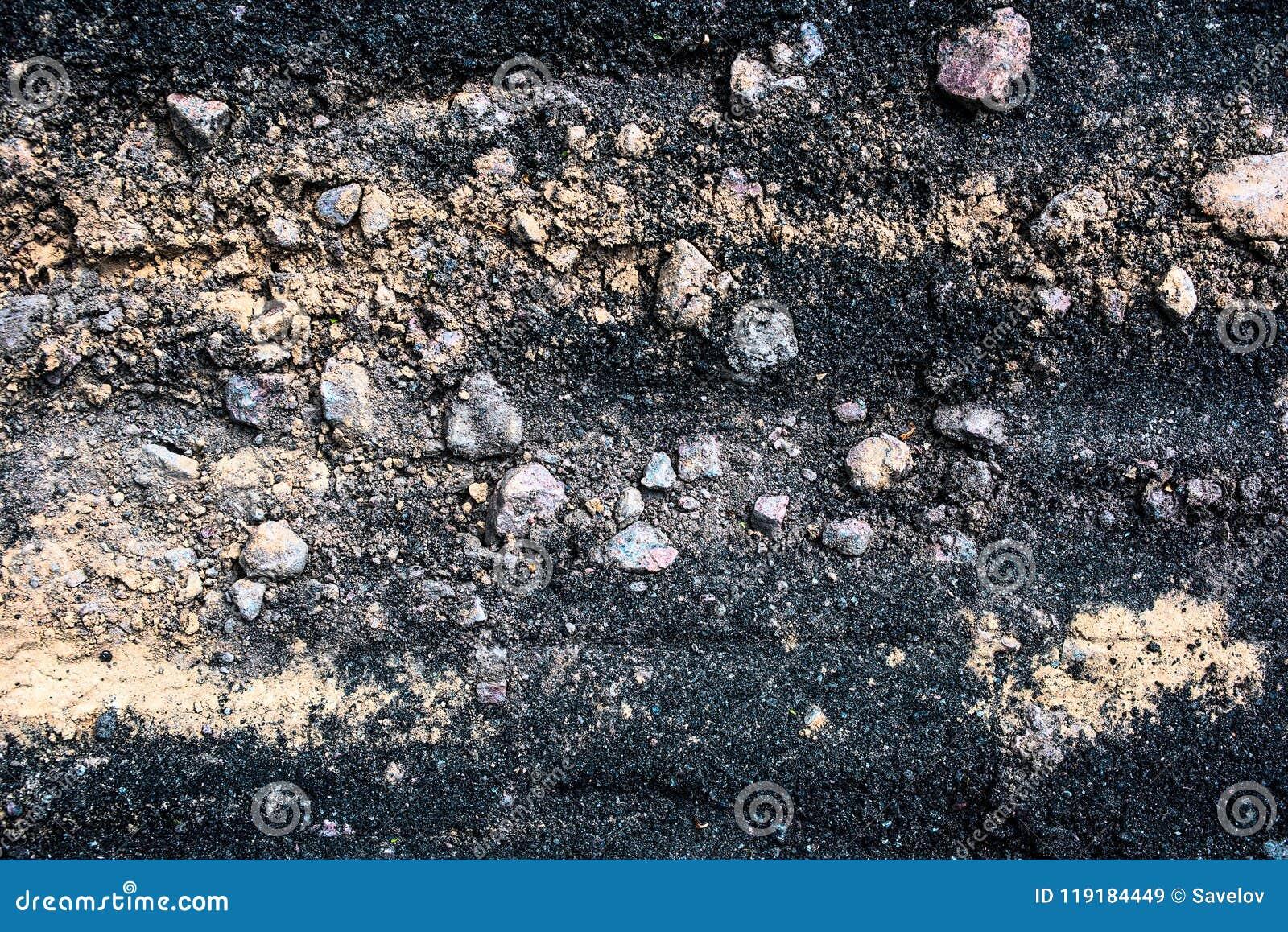 Μίγμα σύστασης για την κατασκευή της ασφάλτου από την άμμο, το αμμοχάλικο και την ορυκτή σκόνη