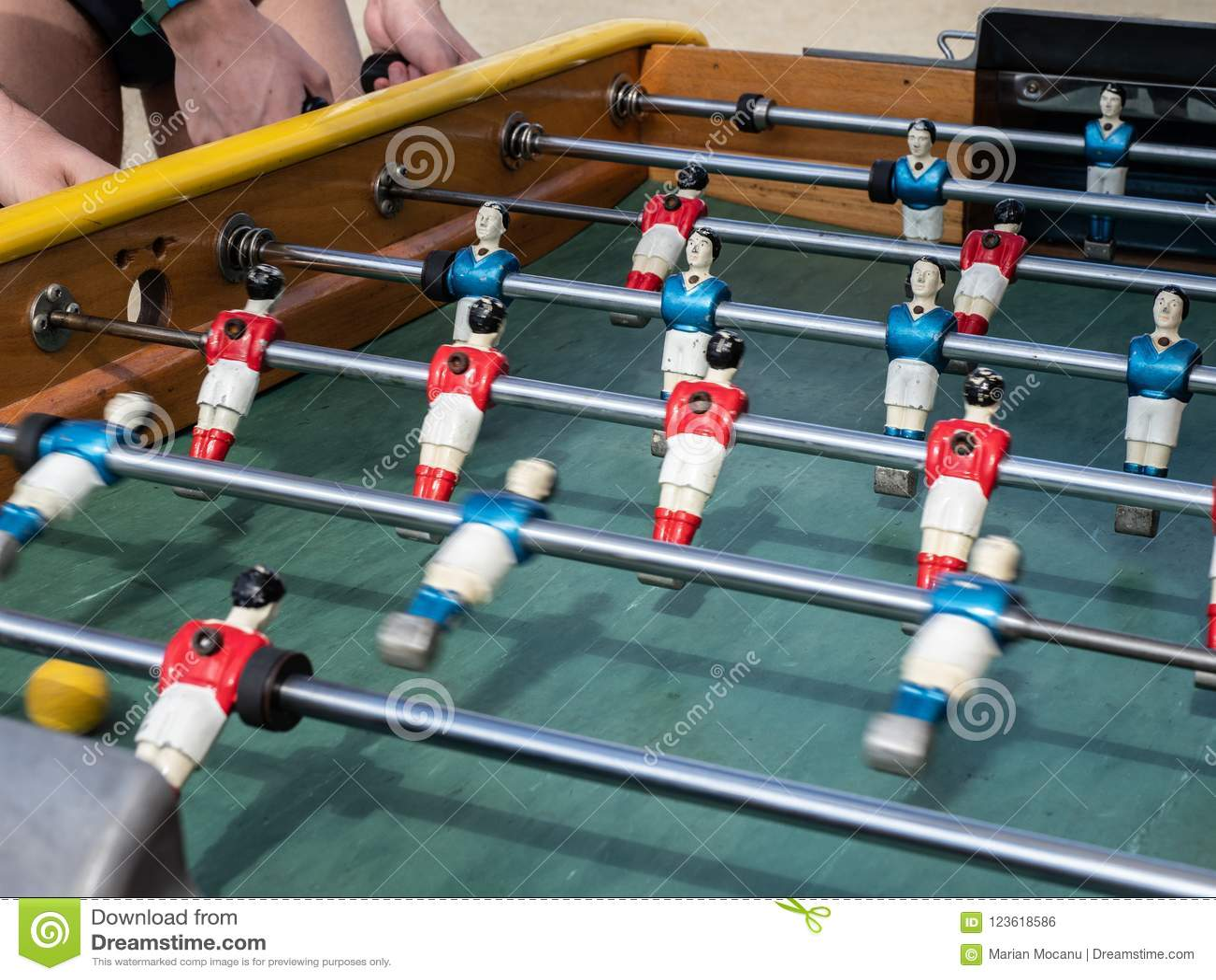 Μίνι πίνακας ποδοσφαιρικών παιχνιδιών κατά τη στενή επάνω άποψη