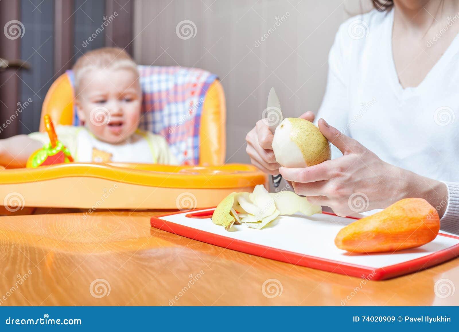 Μαγείρεμα μητέρων, προετοιμασία των παιδικών τροφών