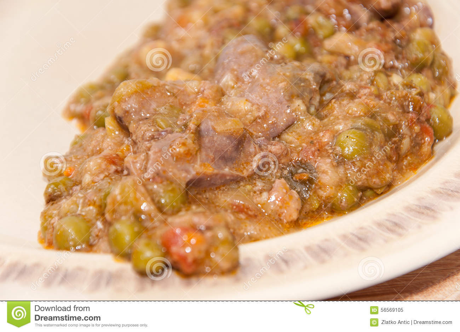 Download Μαγειρευμένα πράσινα μπιζέλια και συκώτι κοτόπουλου Στοκ Εικόνα - εικόνα από συκώτι, εστιατόριο: 56569105