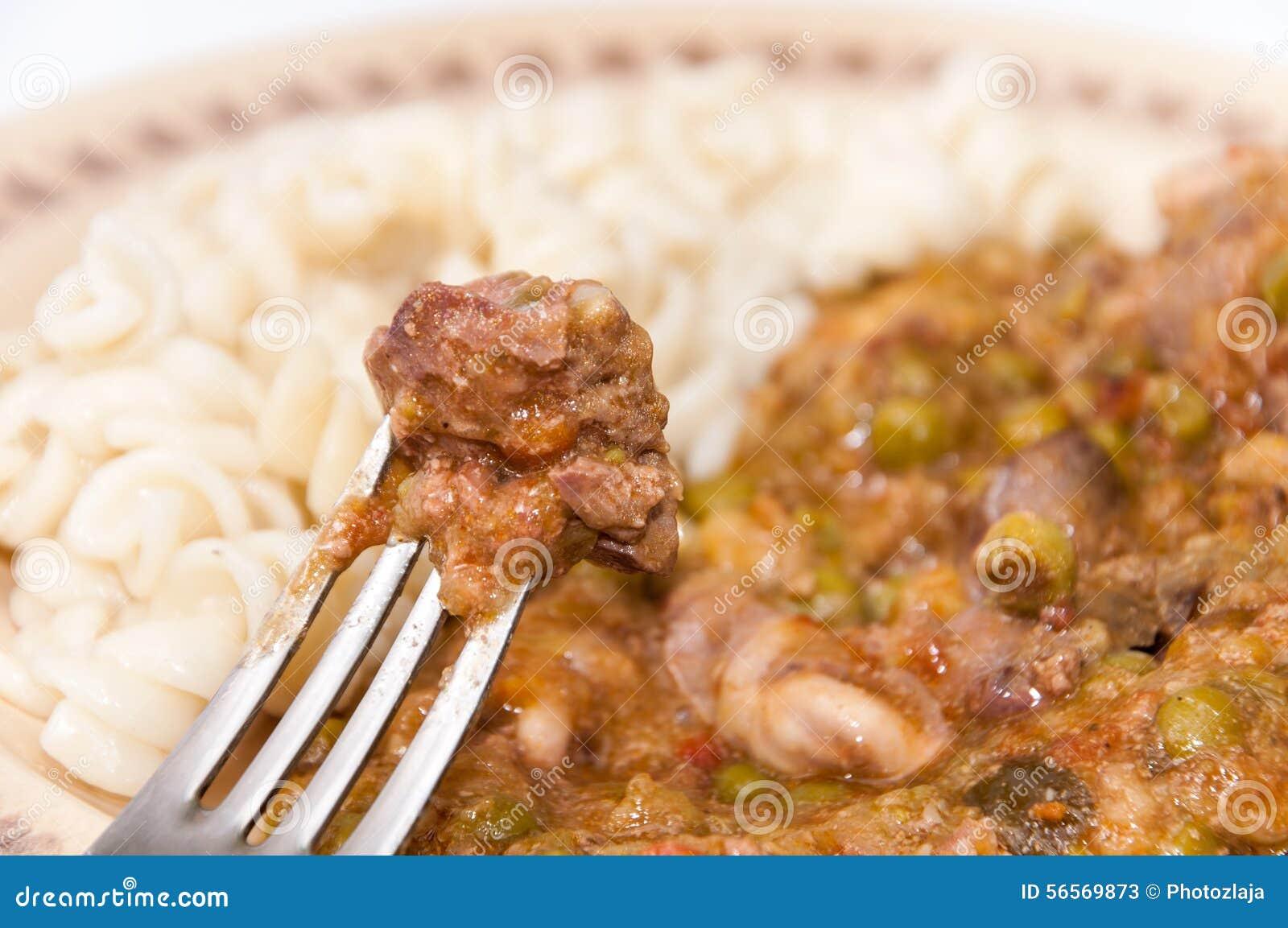 Download Μαγειρευμένα συκώτια κοτόπουλου στο δίκρανο στην εστίαση Στοκ Εικόνα - εικόνα από ψημένος, συστατικό: 56569873
