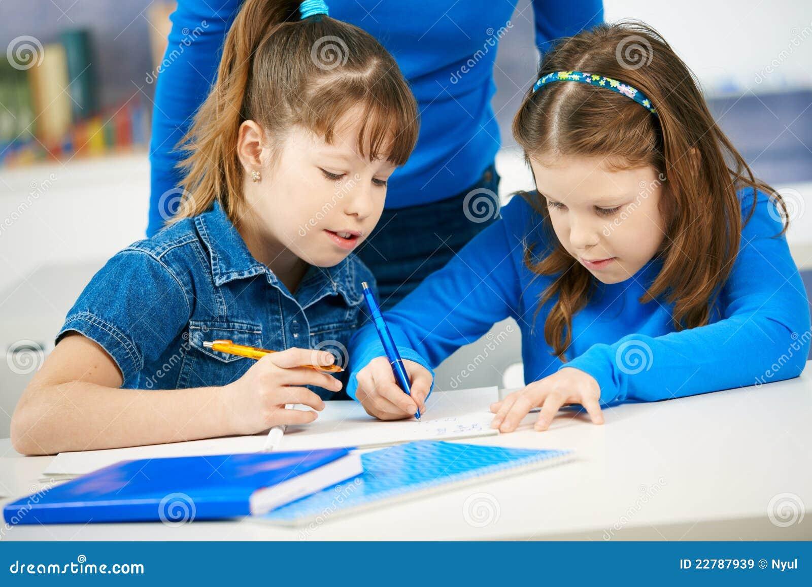 μαθαίνοντας μαθήτριες τάξ&ep