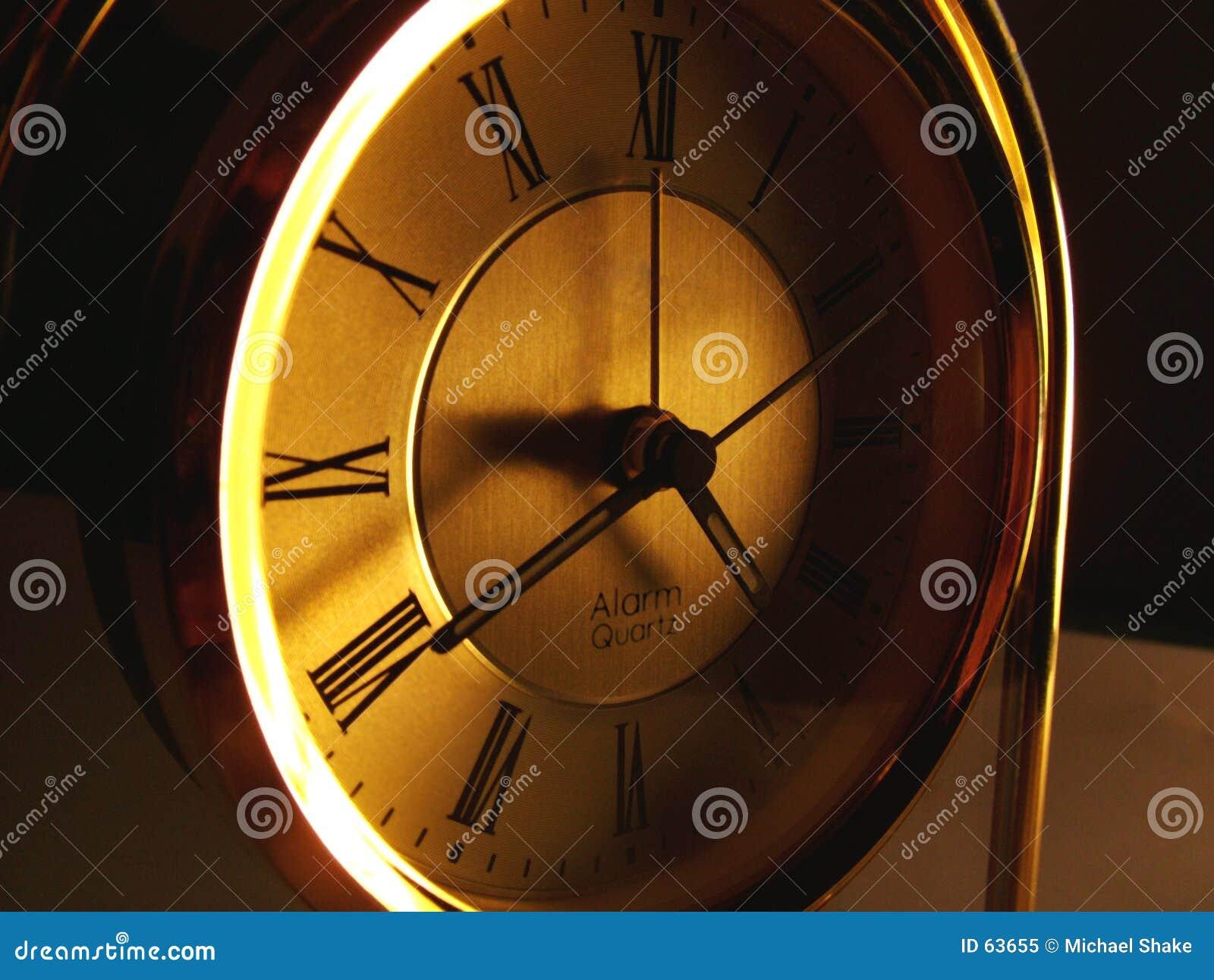 μακριά εξασθενίζοντας χρό