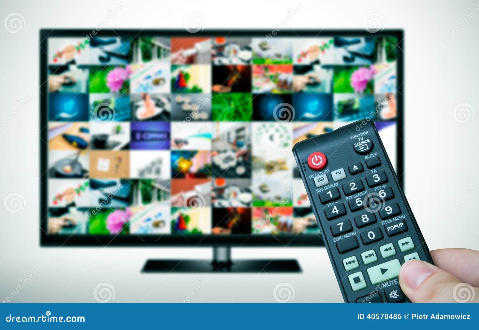 Μακρινός και TV με τις εικόνες