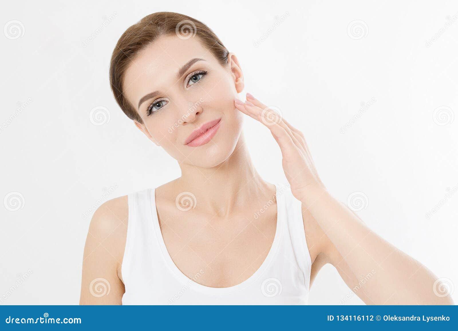 Μακρο πρόσωπο γυναικών χωρίς τις ρυτίδες στο μέτωπο Φροντίδα δέρματος και ομορφιά προσώπου SPA Cosmetology του προσώπου επεξεργασ