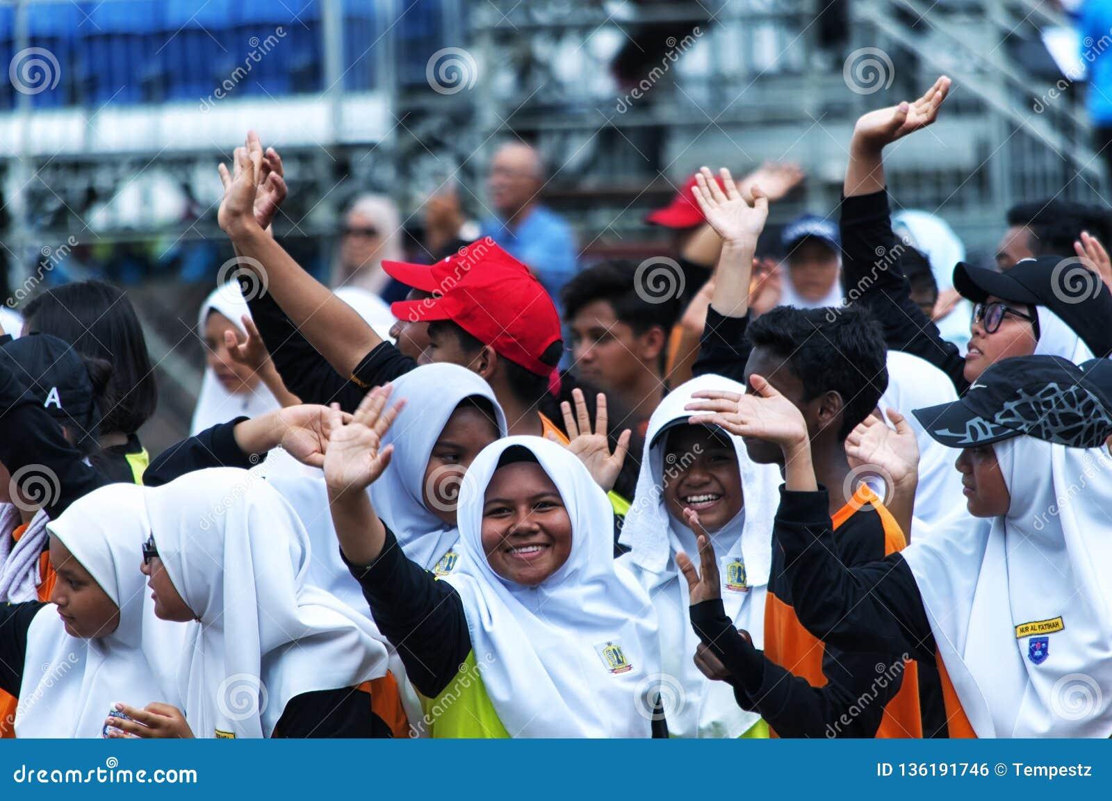 Μαλαισιανοί σπουδαστές που ασκούν για τη Hari Merdeka στη Μαλαισία, Κουάλα Λουμπούρ
