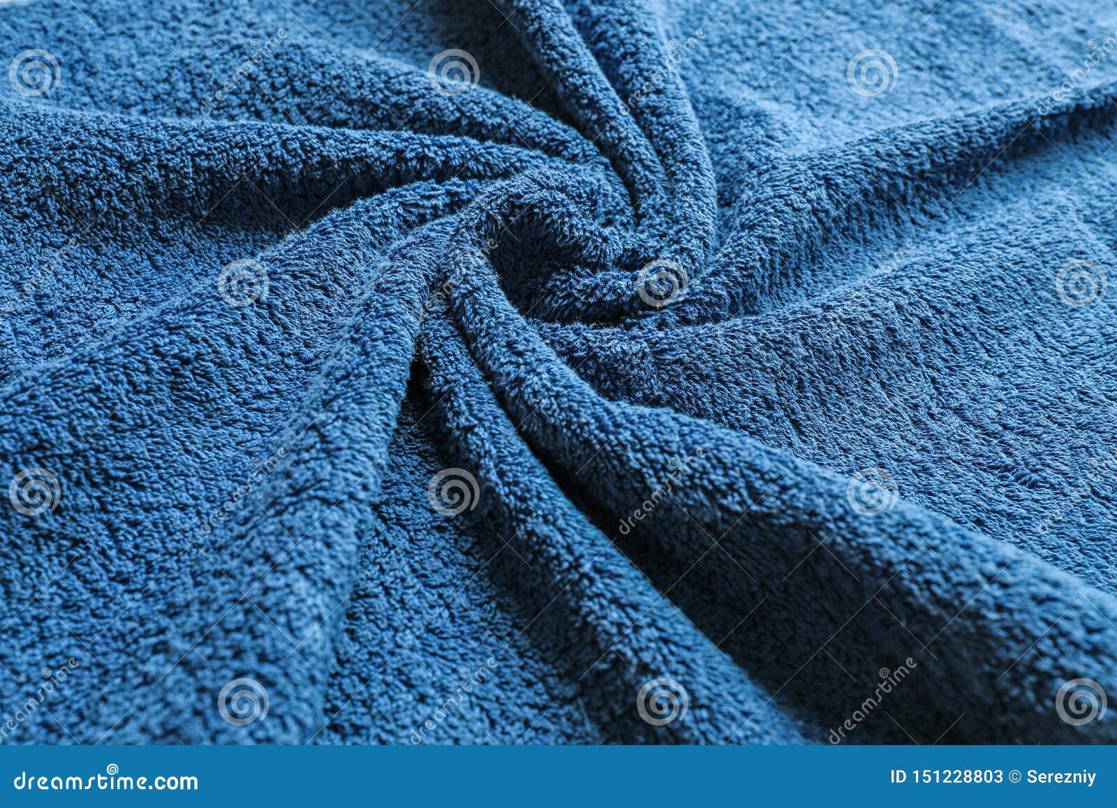 Μαλακή πετσέτα χρώματος με τις πτυχές