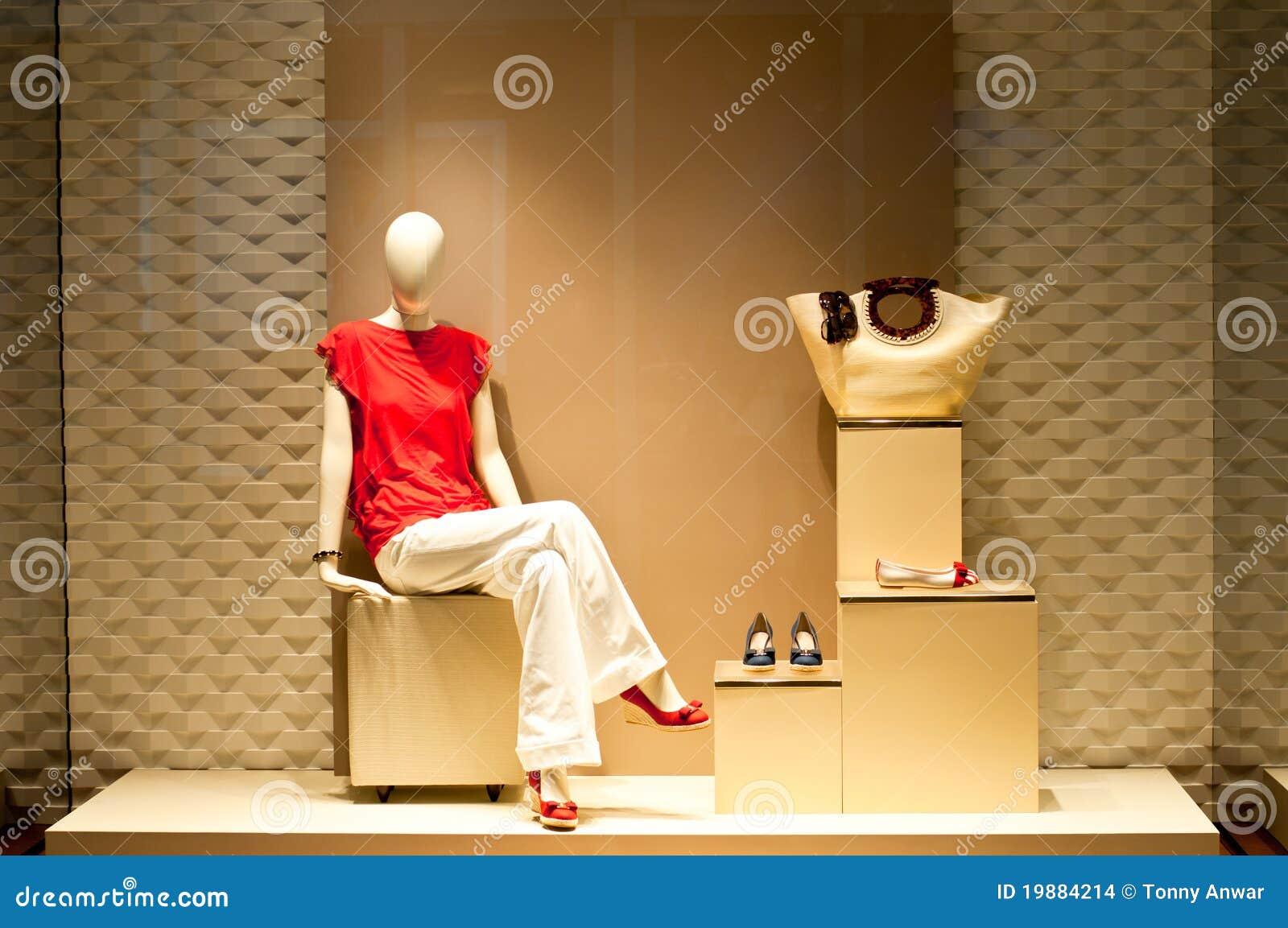 μανεκέν μόδας παρουσίαση&sig