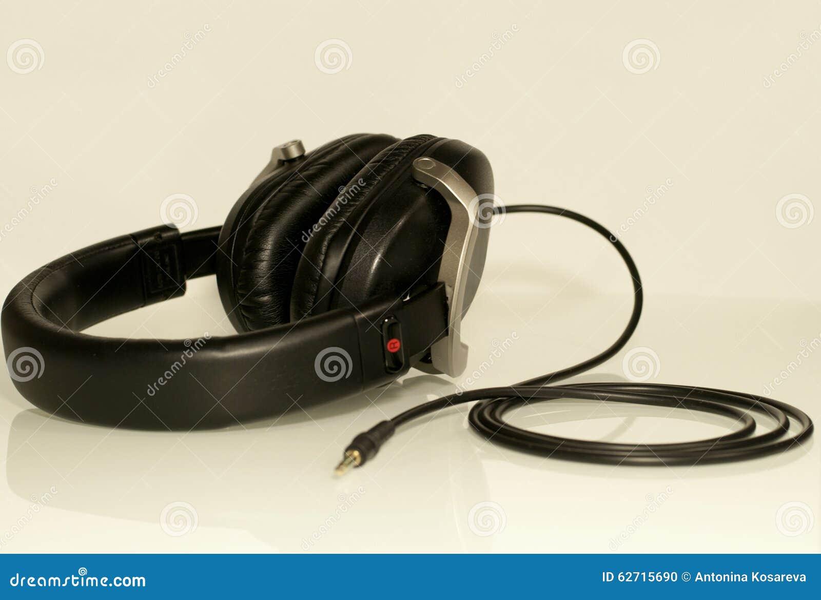 μαύρα ακουστικά