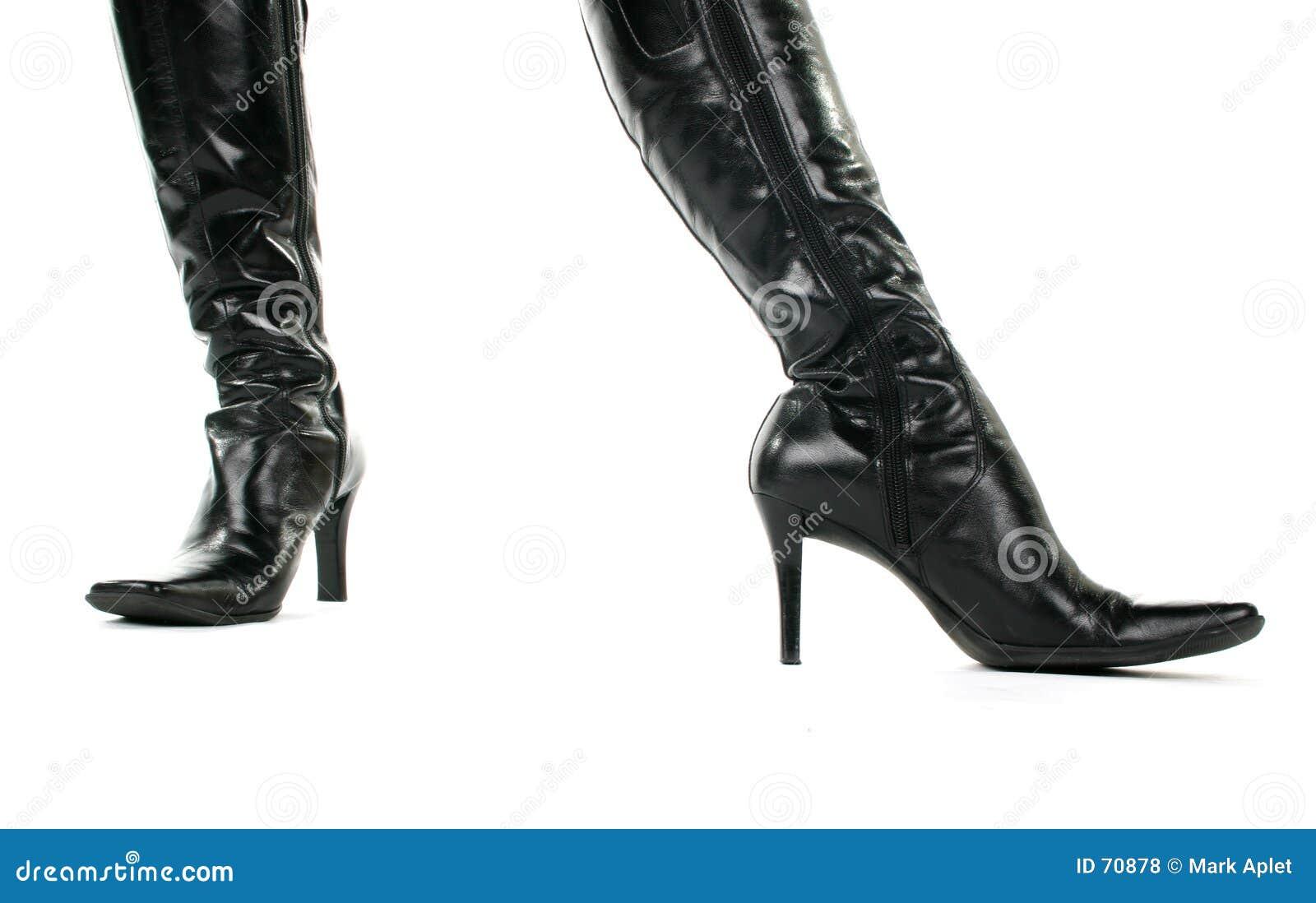 μαύρες μπότες