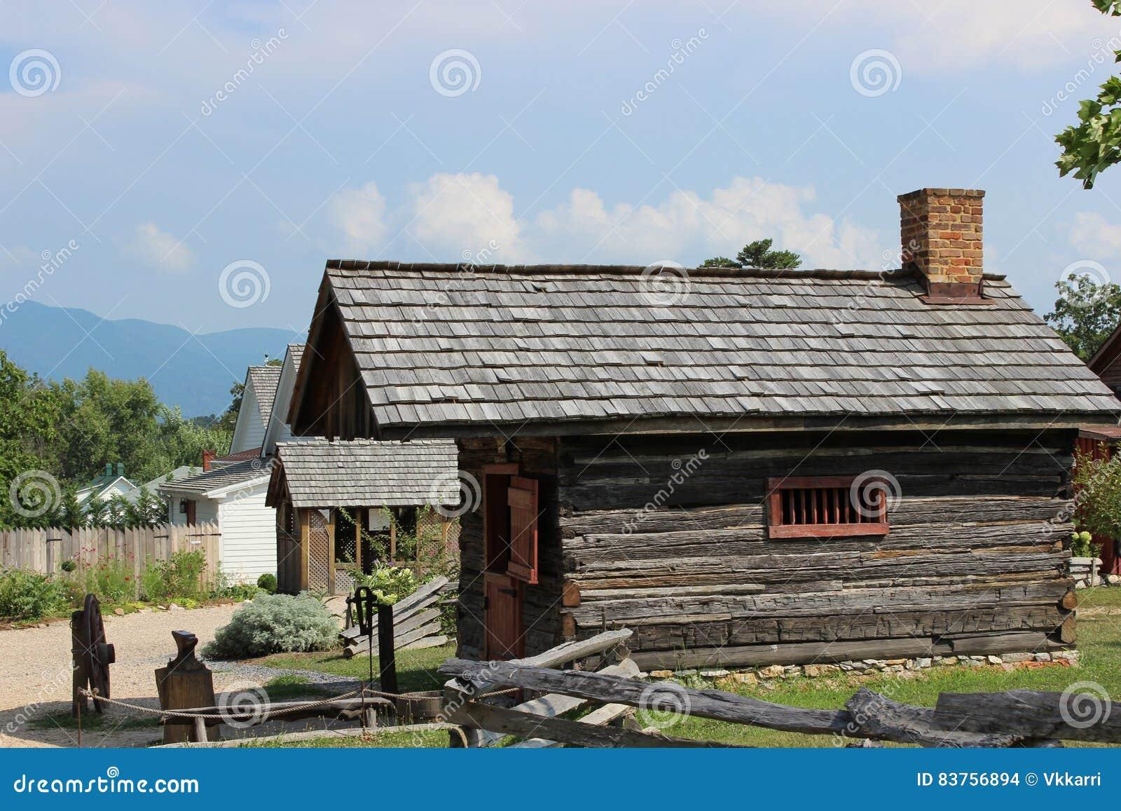 Μαύρη καμπίνα Βιρτζίνια Smith κοιλάδων Luray