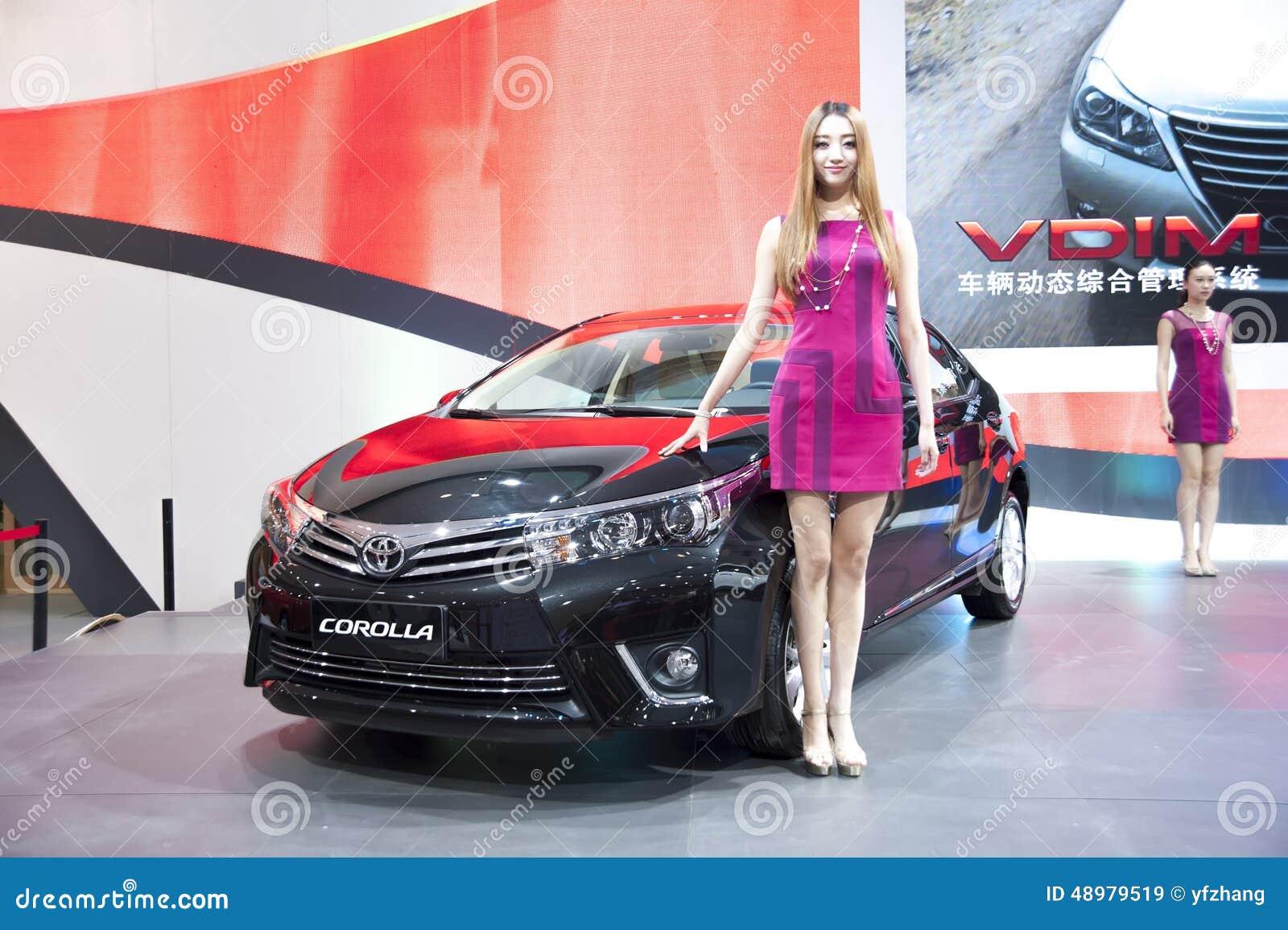 Μαύρο αυτοκίνητο corolla της Toyota