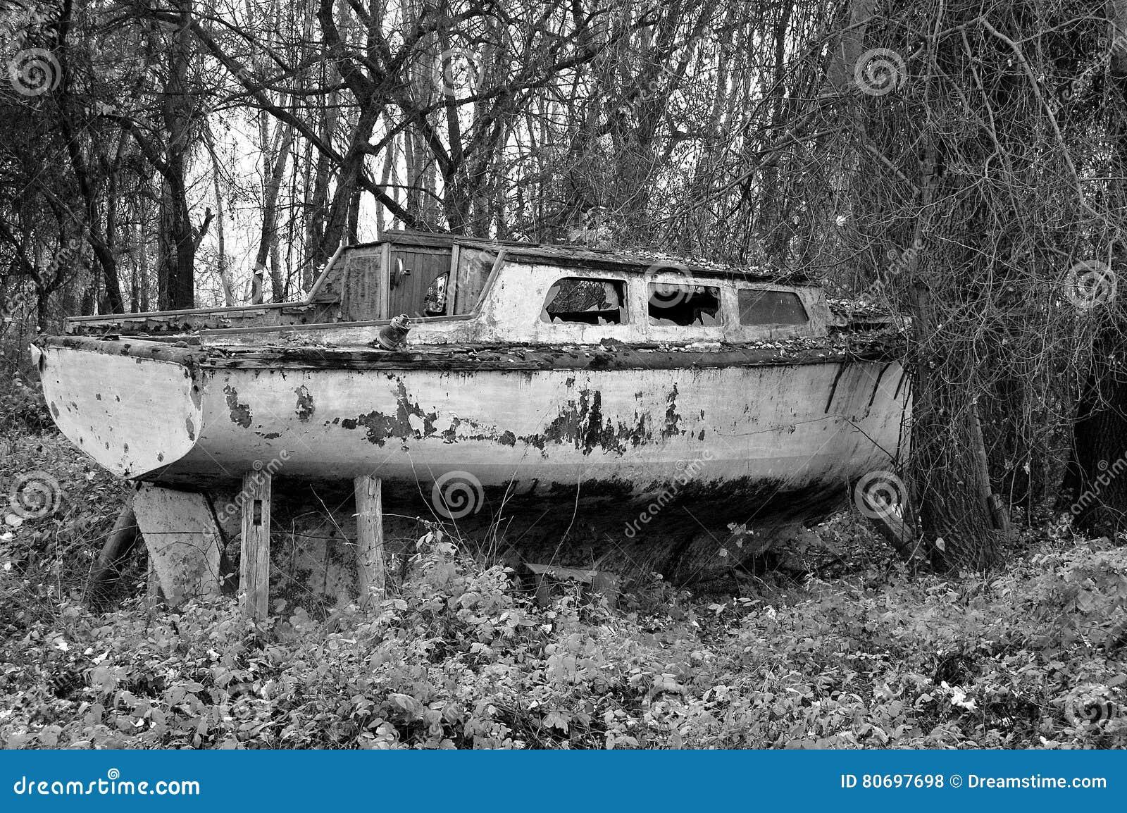 Μαύρο λευκό σκαφών
