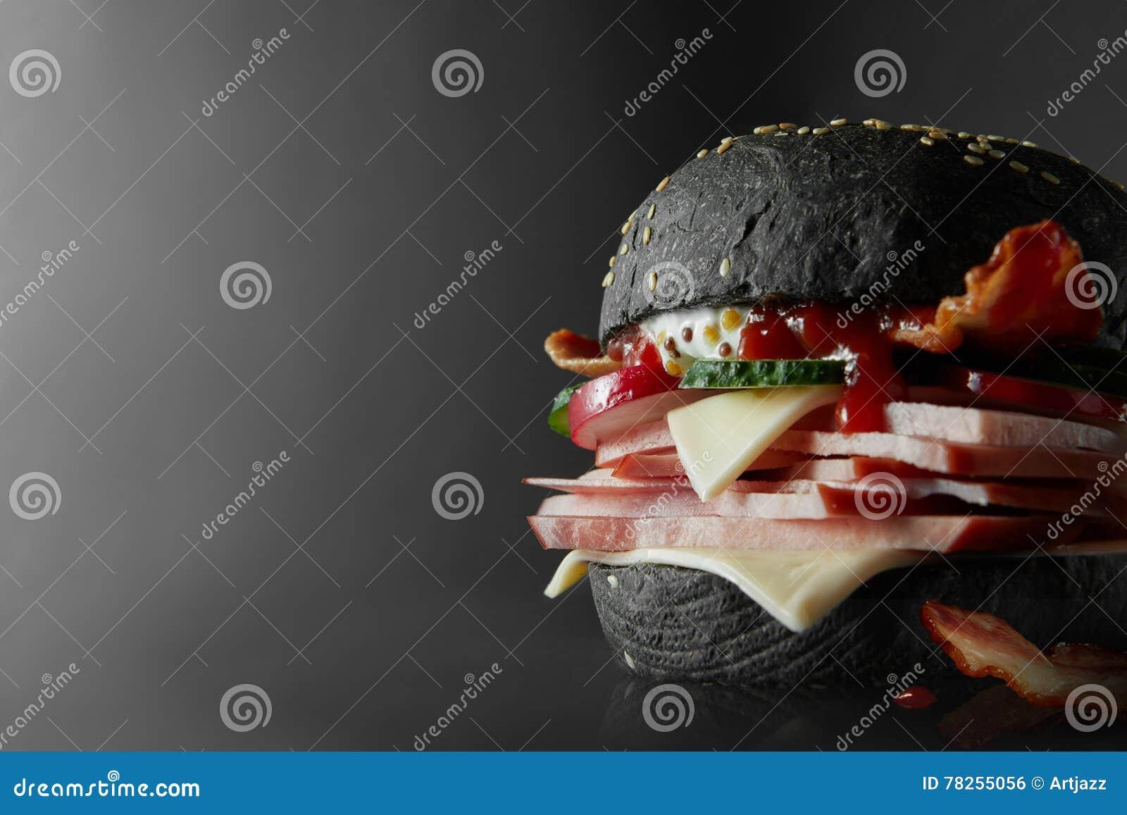 Μαύρο Burger με το τυρί