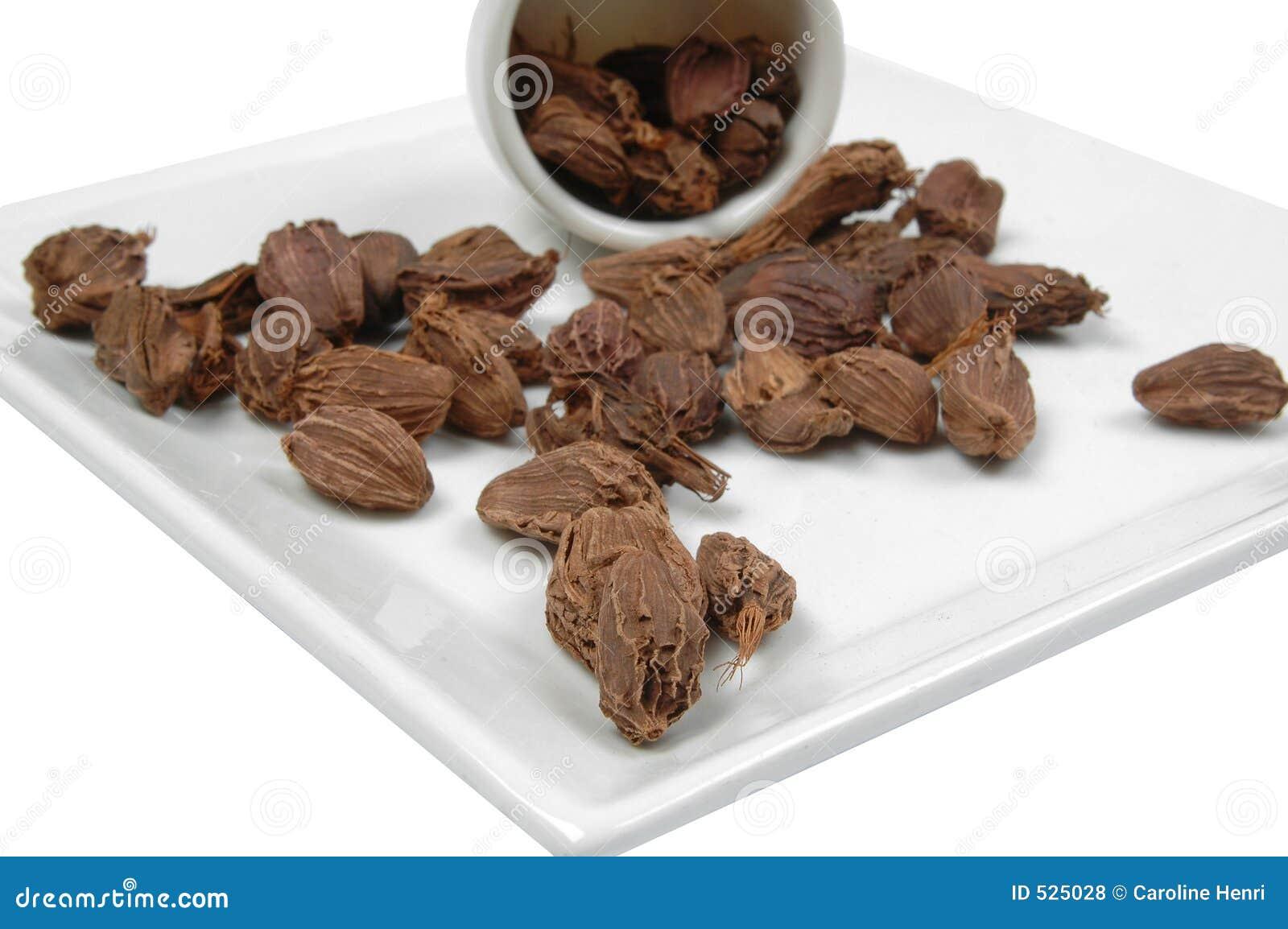 μαύρο cardamone