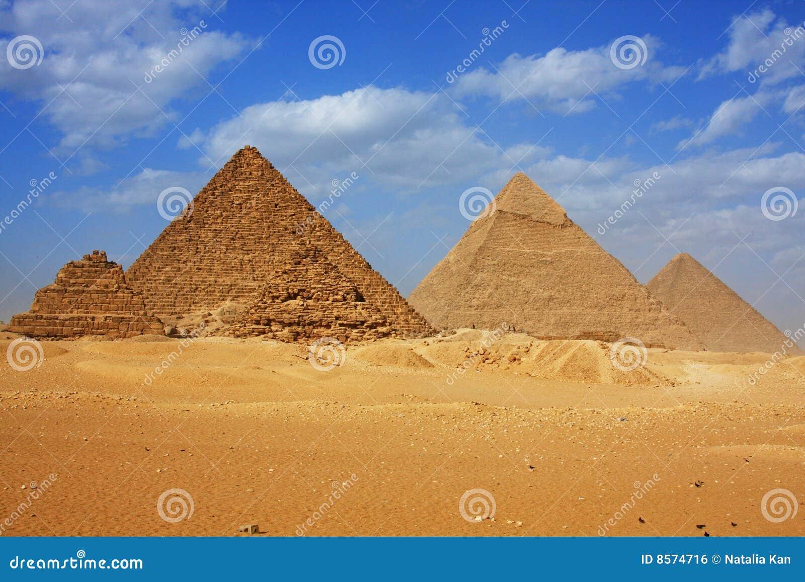 μεγάλες πυραμίδες giza
