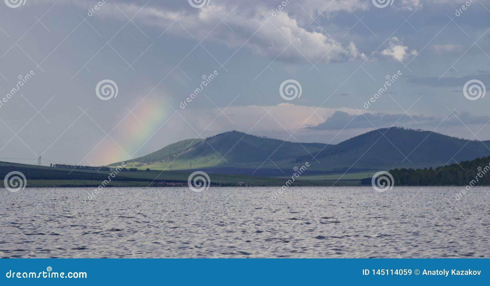 Μεγάλη λίμνη στη Σιβηρία