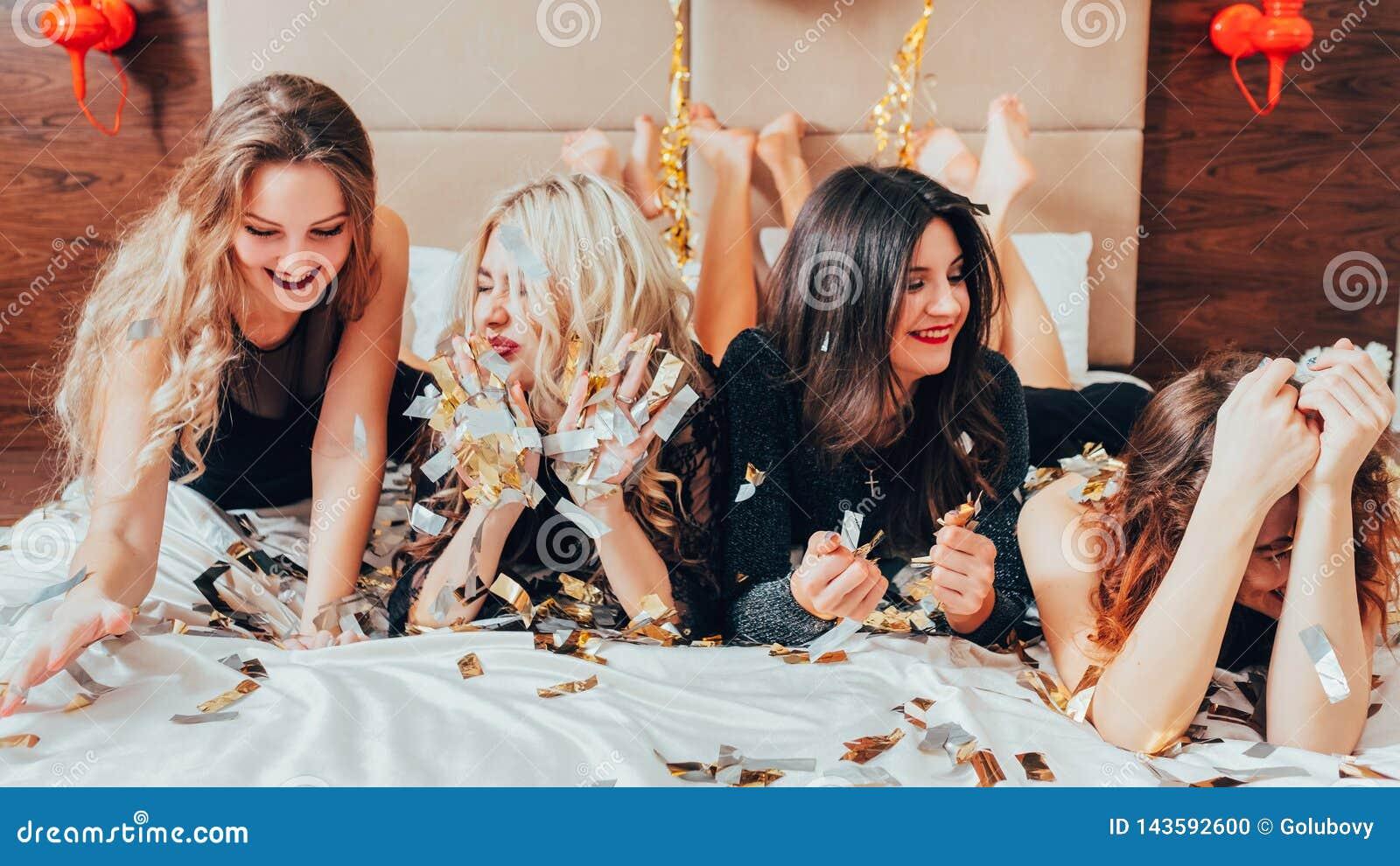 Μεγάλο κόμμα χρονικού bachelorette διασκέδασης πολυσύχναστων μερών γυναικών