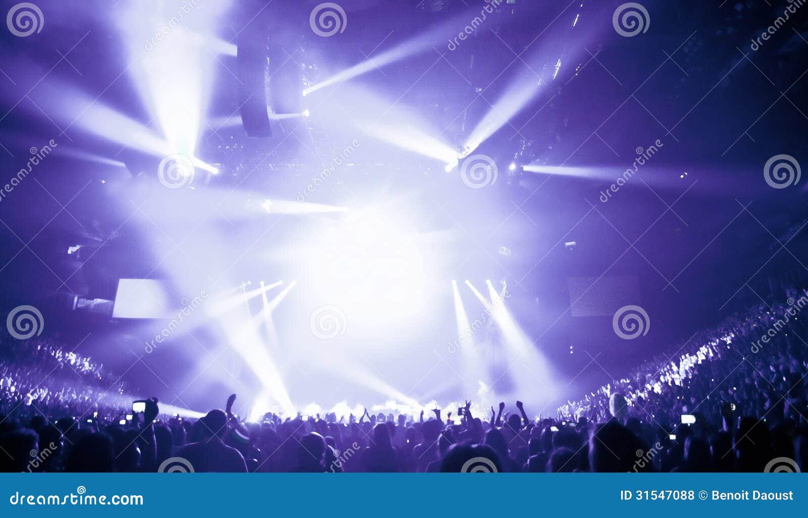 Μεγάλη συναυλία ζωντανής μουσικής