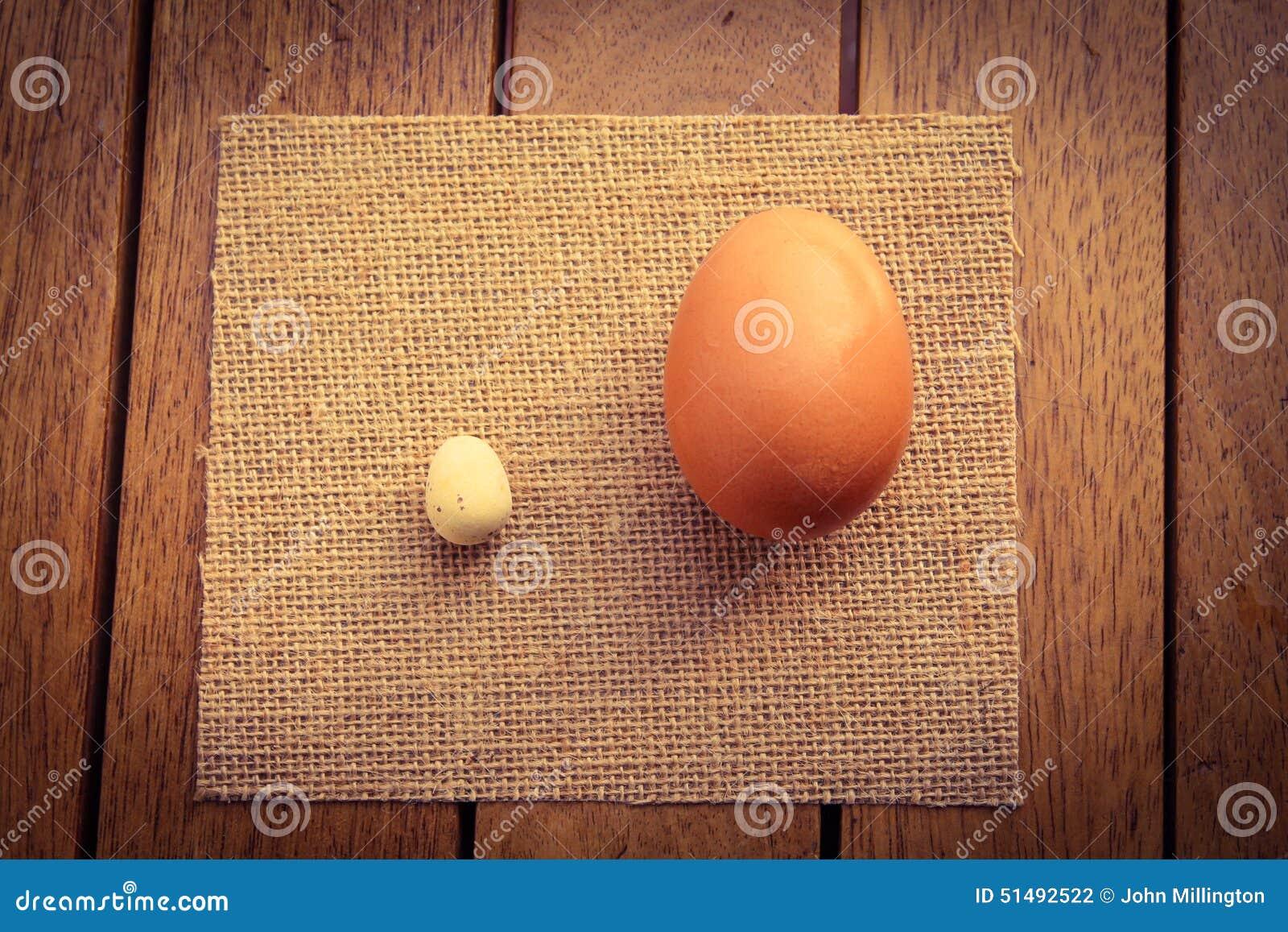 Μεγάλος και ένα μικρό αυγό